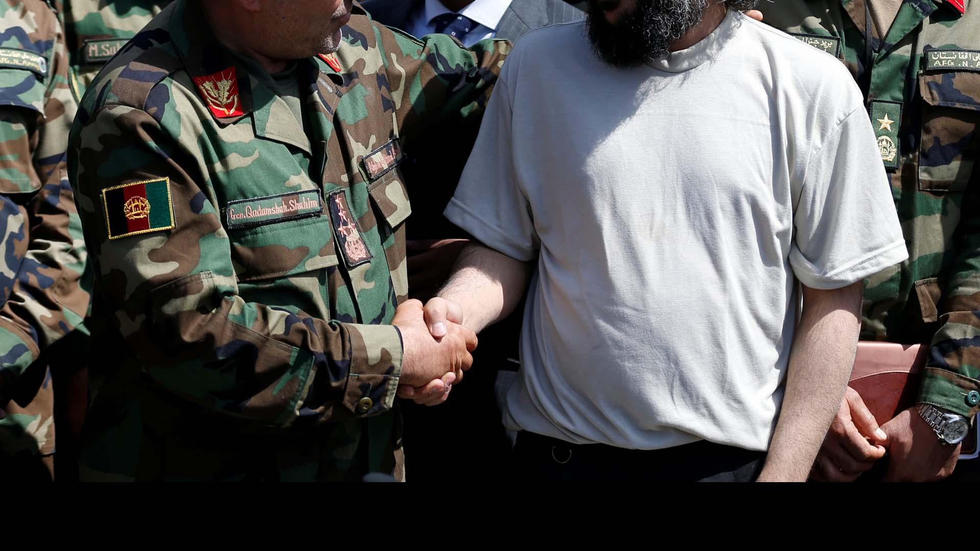 El Ejecutivo proporcionaría impunidad al líder terrorista Gulbuddin Hekmatjar, responsable de la muerte de miles de civiles
