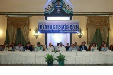 Gobierno colombiano y las FARC firman convenio