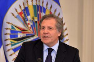 El secretario general de la Organización de Estados Americanos, Luis Almagro, convocó a una reunión para discutir y analizar la situación en el país