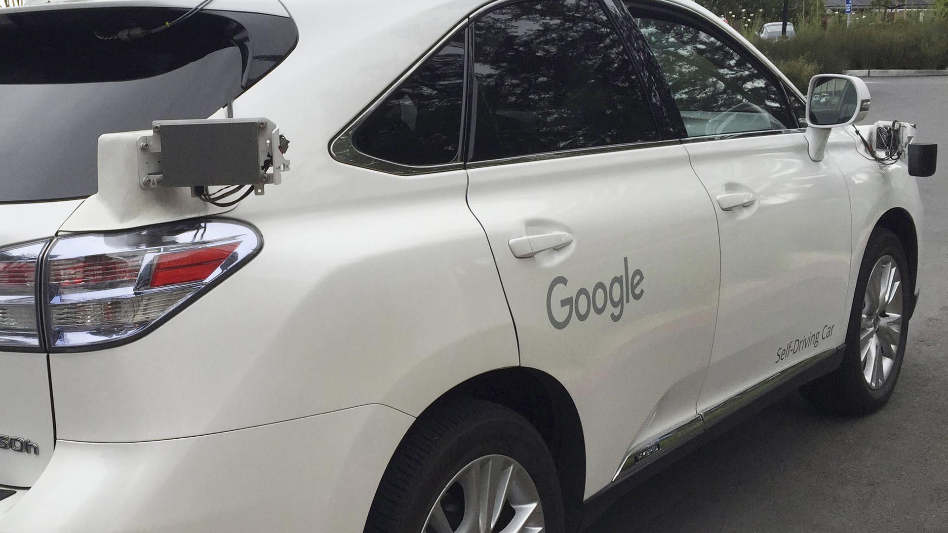 El objetivo de esta patente es disminuir el impacto a la hora de un arrollamiento en sus carros autónomos