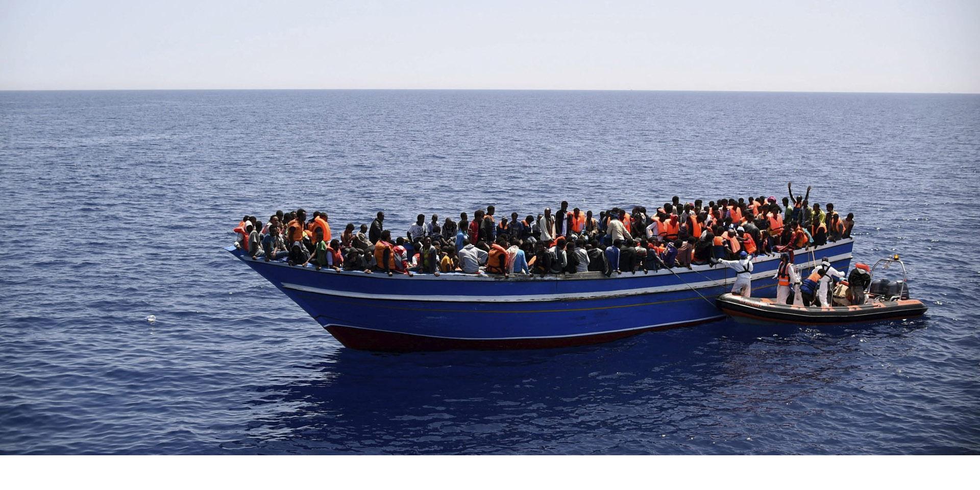 Fallecidos tras volcar barco en el Mediterráneo