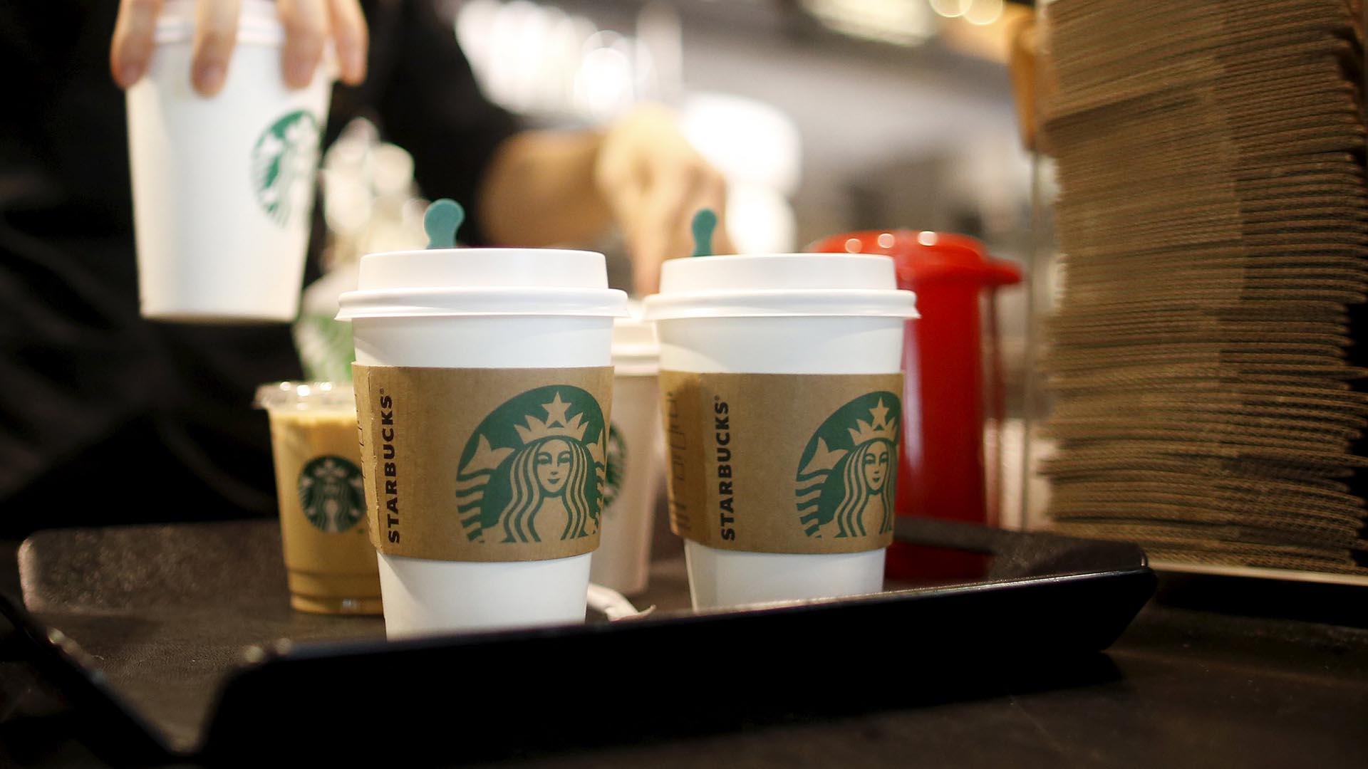 La cadena estadounidense de cafeterías fue acusada de emitir publicidad engañosa y fraude