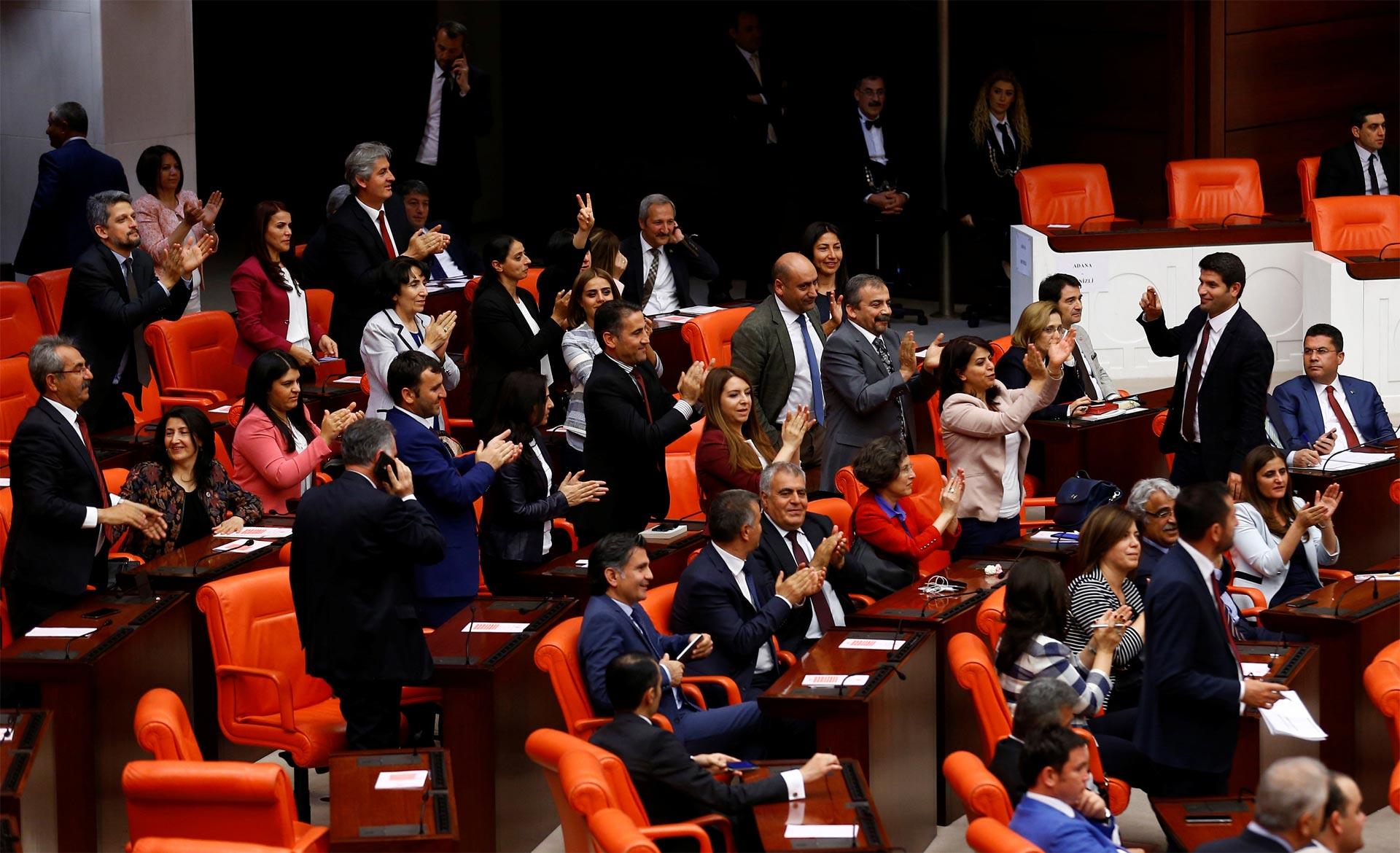 El presidente Recep Yattip Erdogan los acusa de ser el brazo derecho de la organización terrorista PKK