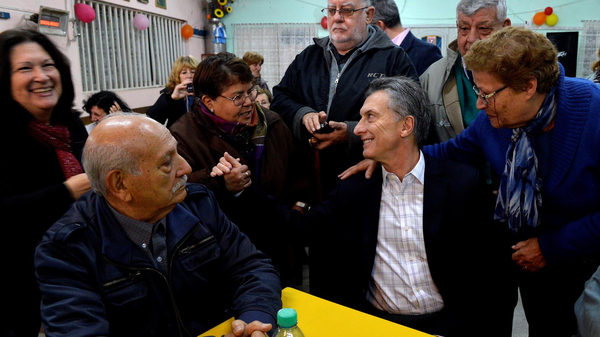 El presidente argentino inicia una gira europea en la que mantendrá reuniones en los principales puntos estratégicos