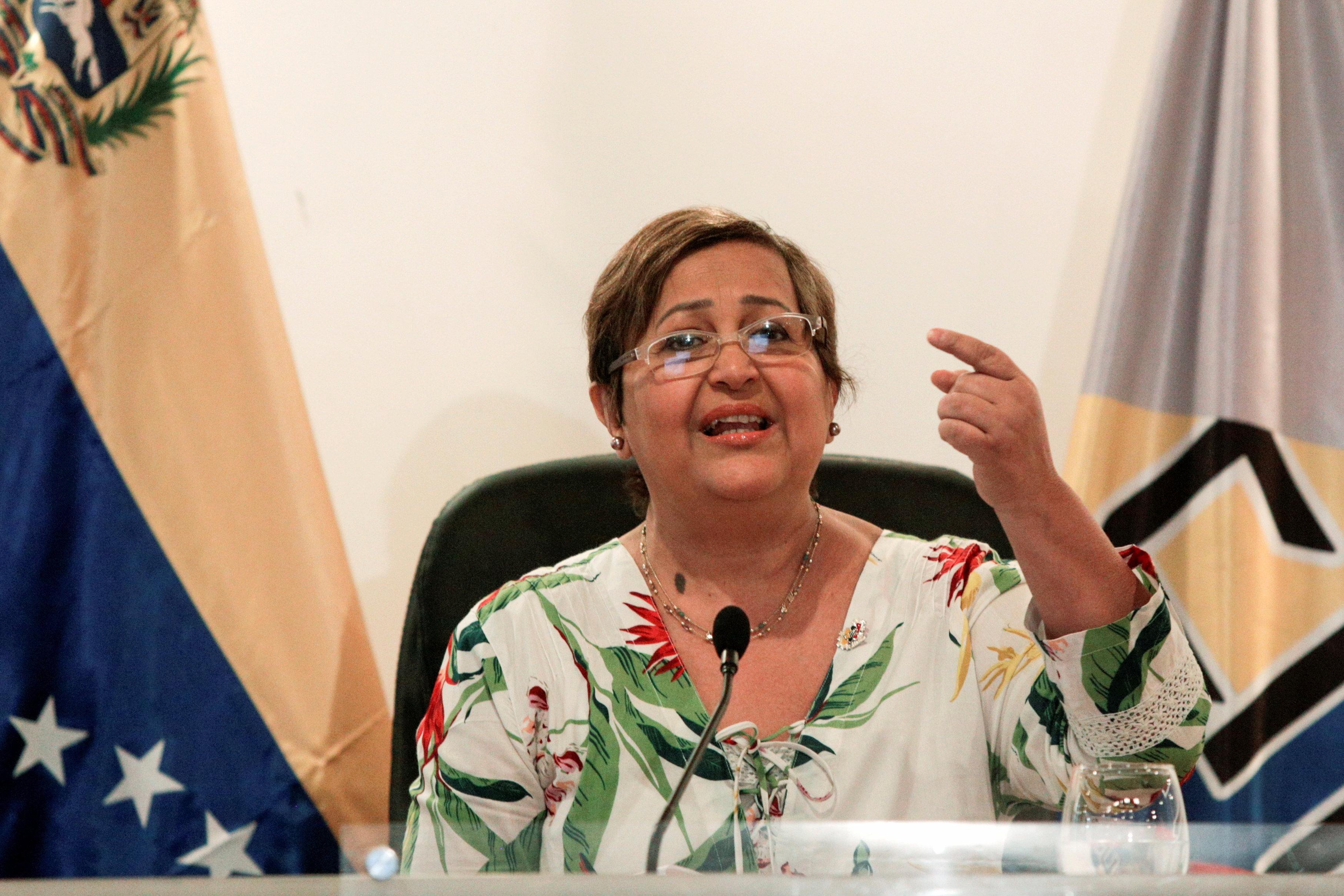 La presidenta del CNE, Tibisay Lucena, informó sobre el cronograma de verificación de firmas que cumplirá el organismo