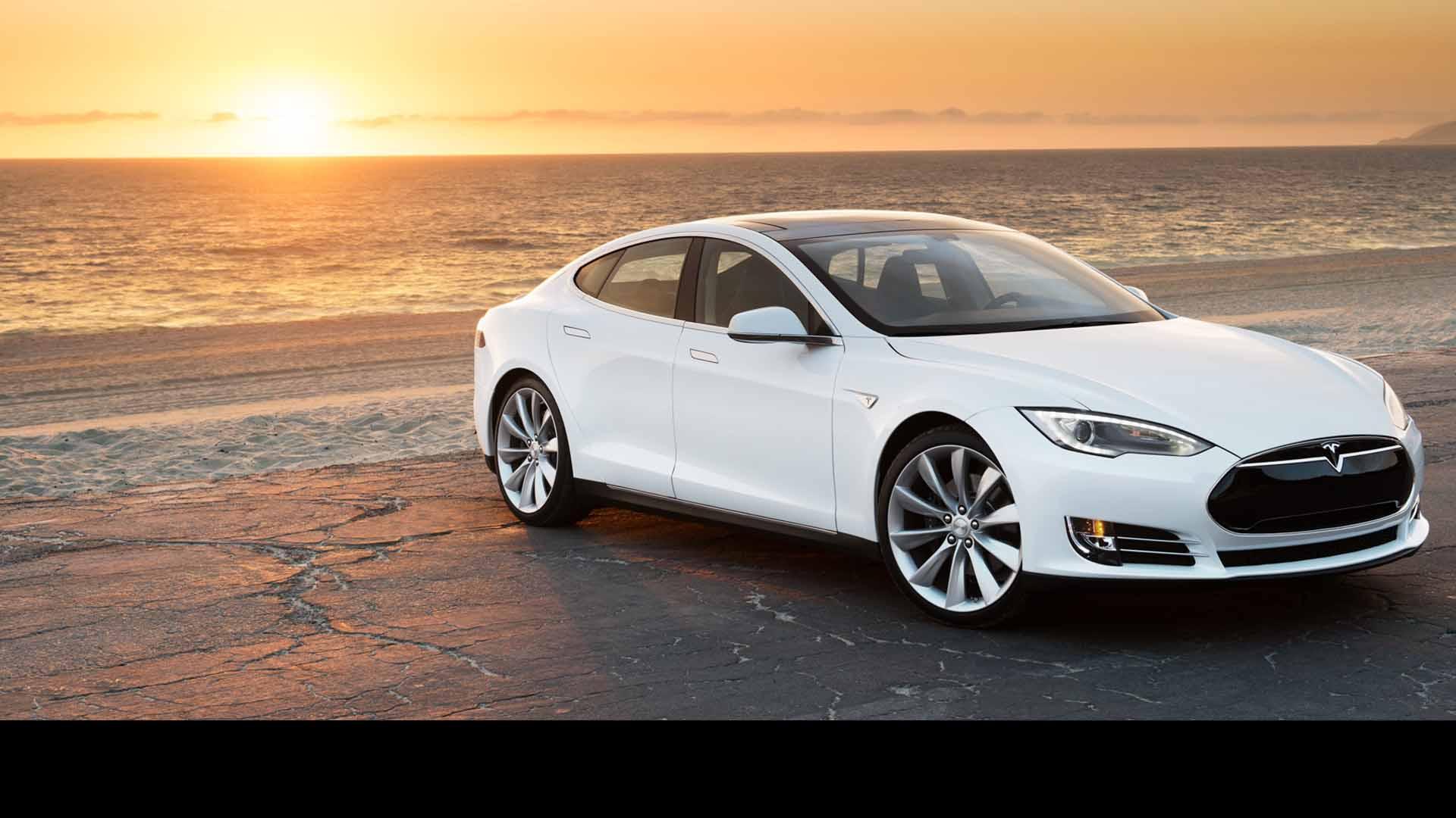 El nuevo auto puede transformarse en barco por pequeños intervalos según aseguro el CEO de la firma