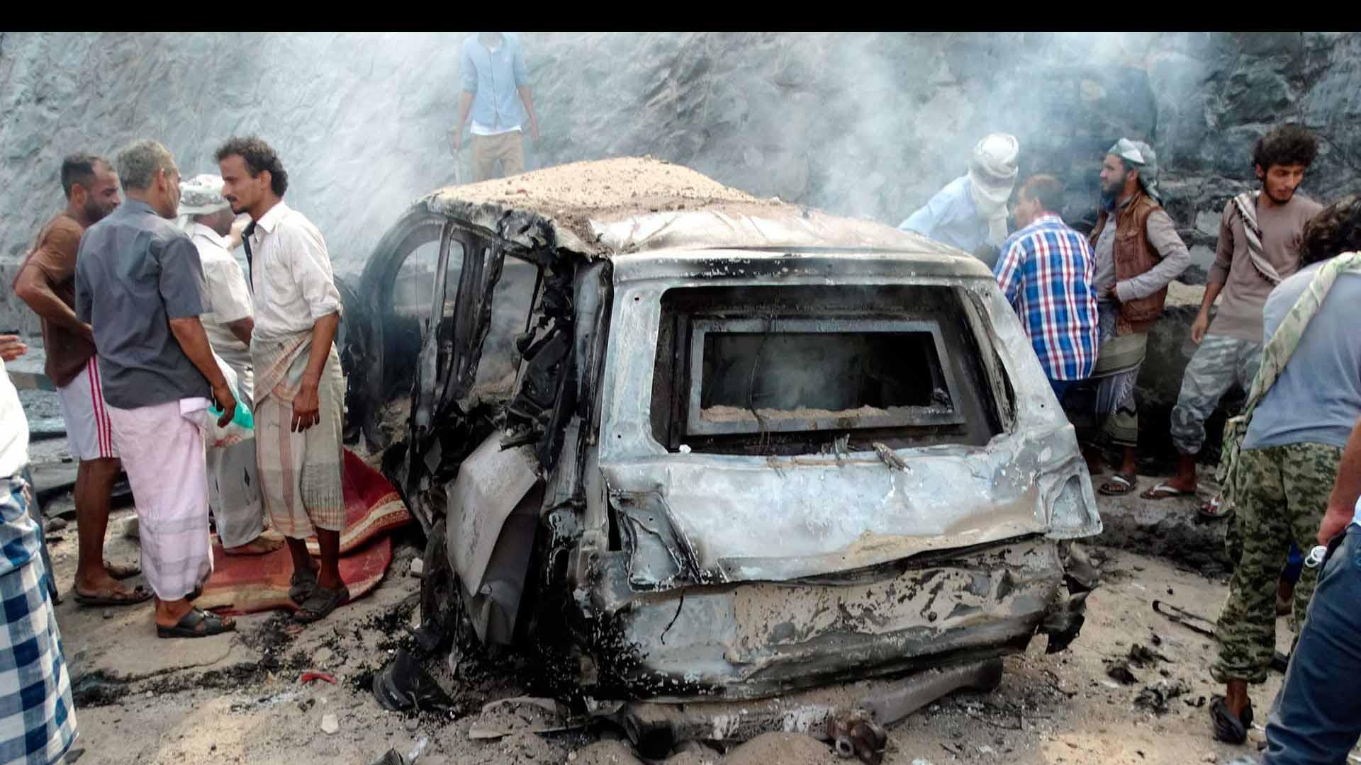 Dos atacantes suicidas y tres bombas reivindicadas por el Estado Islámico causaron estragos en la ciudad