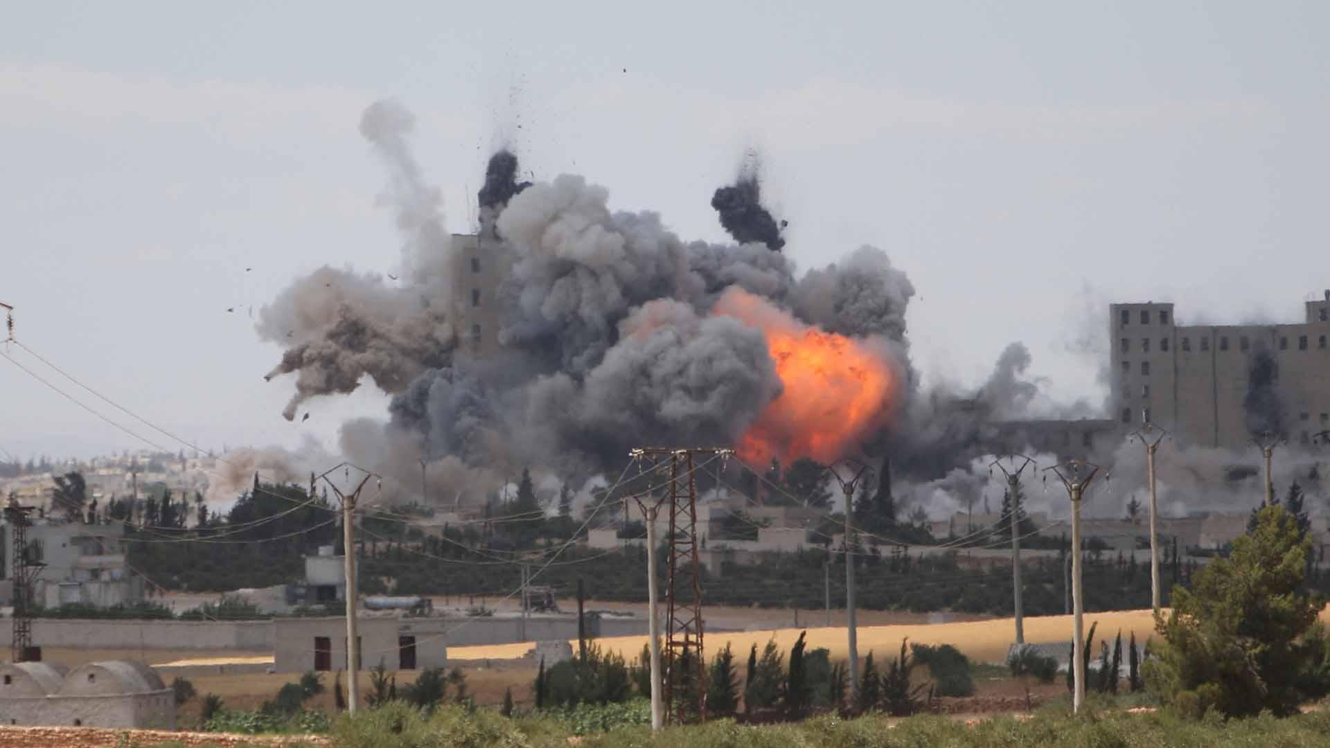 Bombardearon barrios dominados por los rebeldes avivando la guerra civil y complicando las negociaciones de paz para Siria