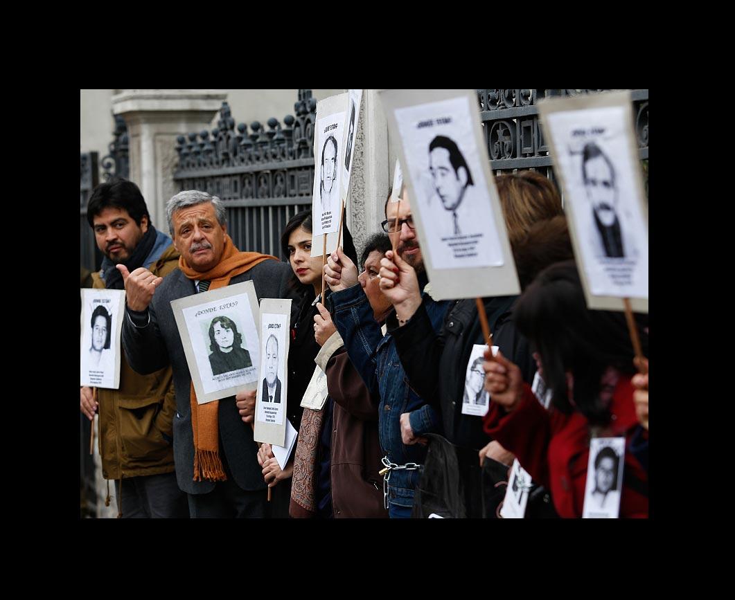 Proyectos de parlamentarios de la oposición podrían dejar libres a funcionarios de la dictadura militar de Augusto Pinochet