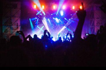 La empresa desarrolló una tecnología que limita la funcionabilidad de los iphones en los conciertos
