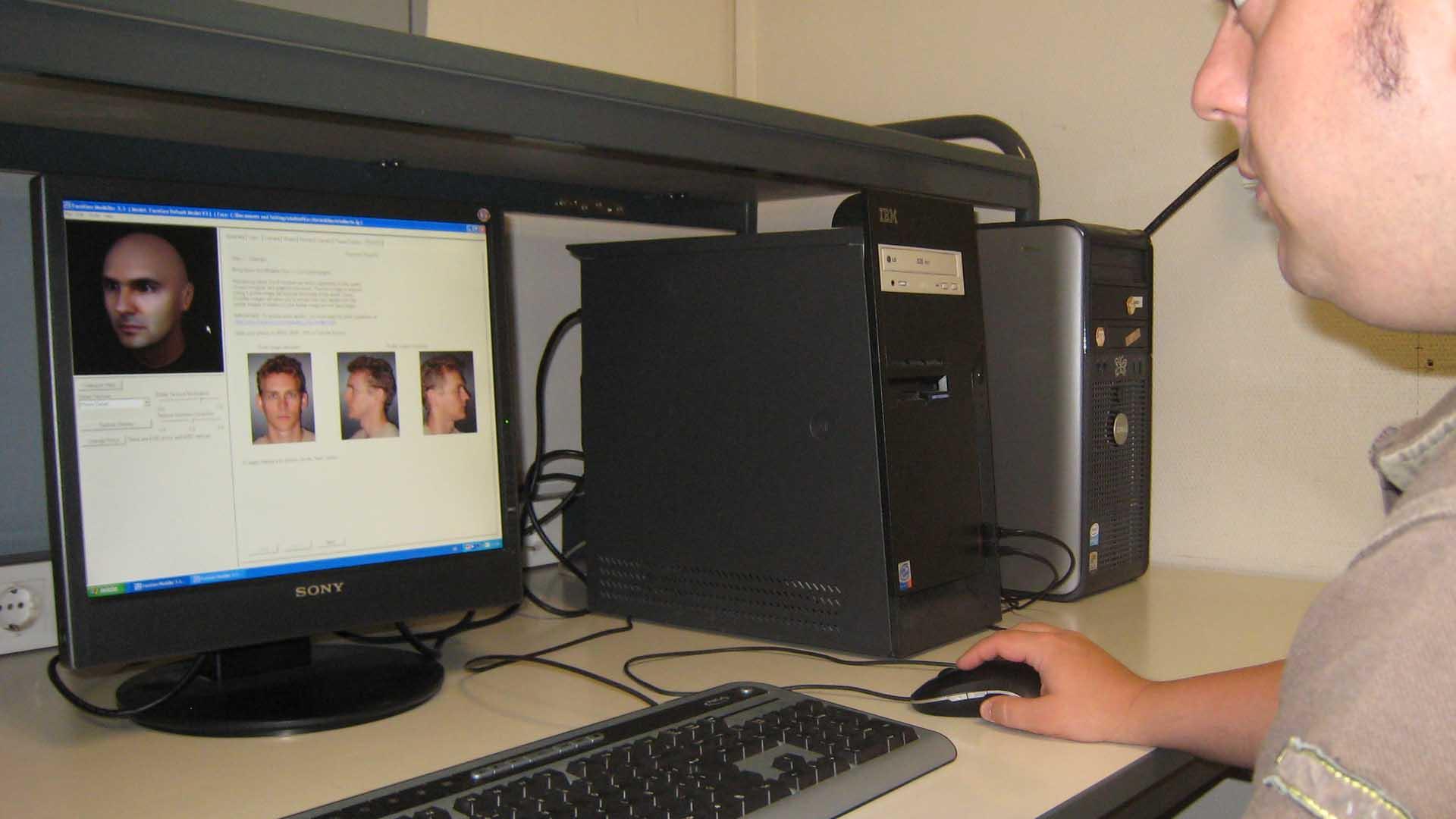 El software es usado para ubicar sospechosos en fotos, vídeos de cámaras de vigilancia y en redes sociales
