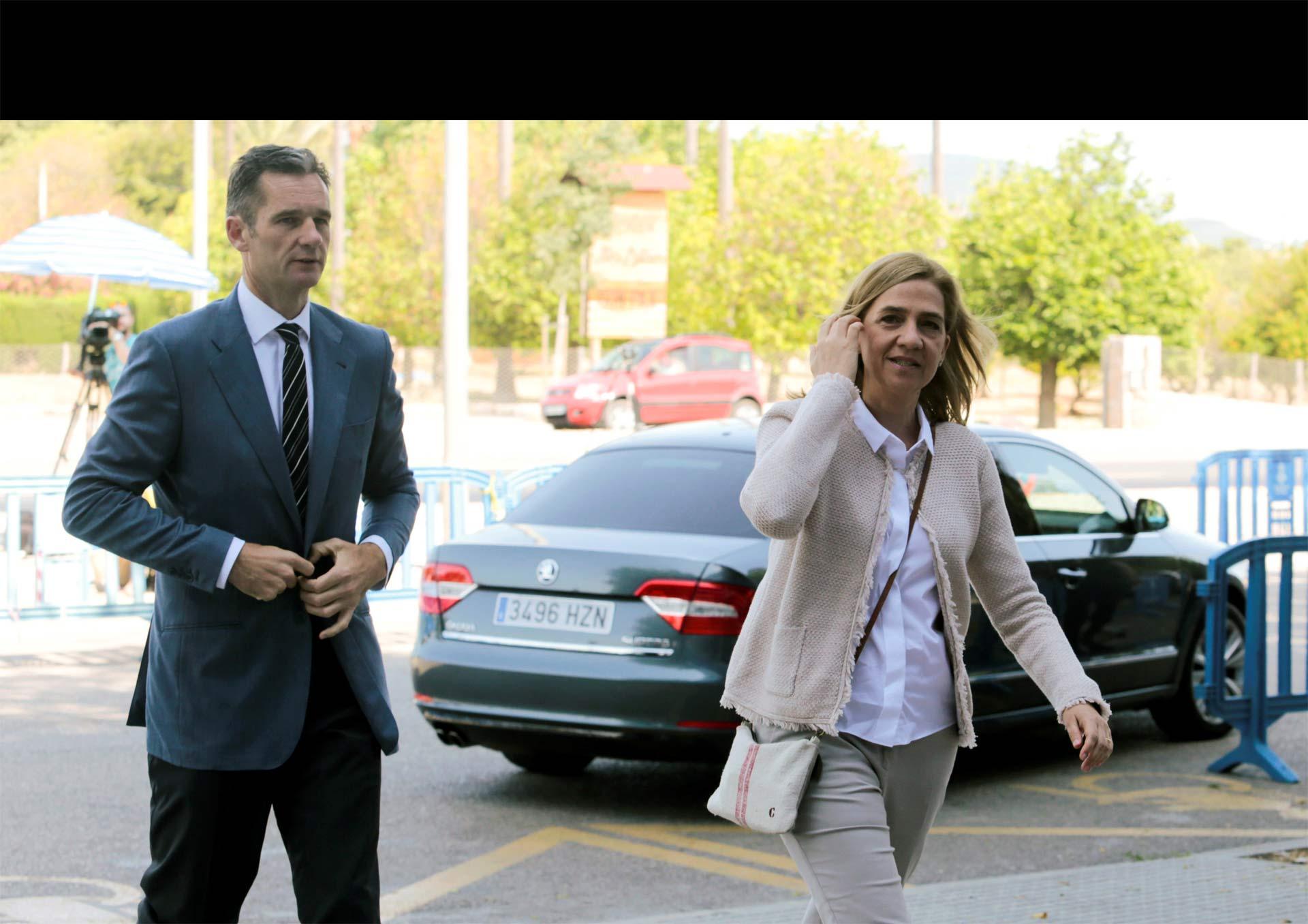 Se espera que las peticiones de pena de presión sobre ella y su esposo se mantengan