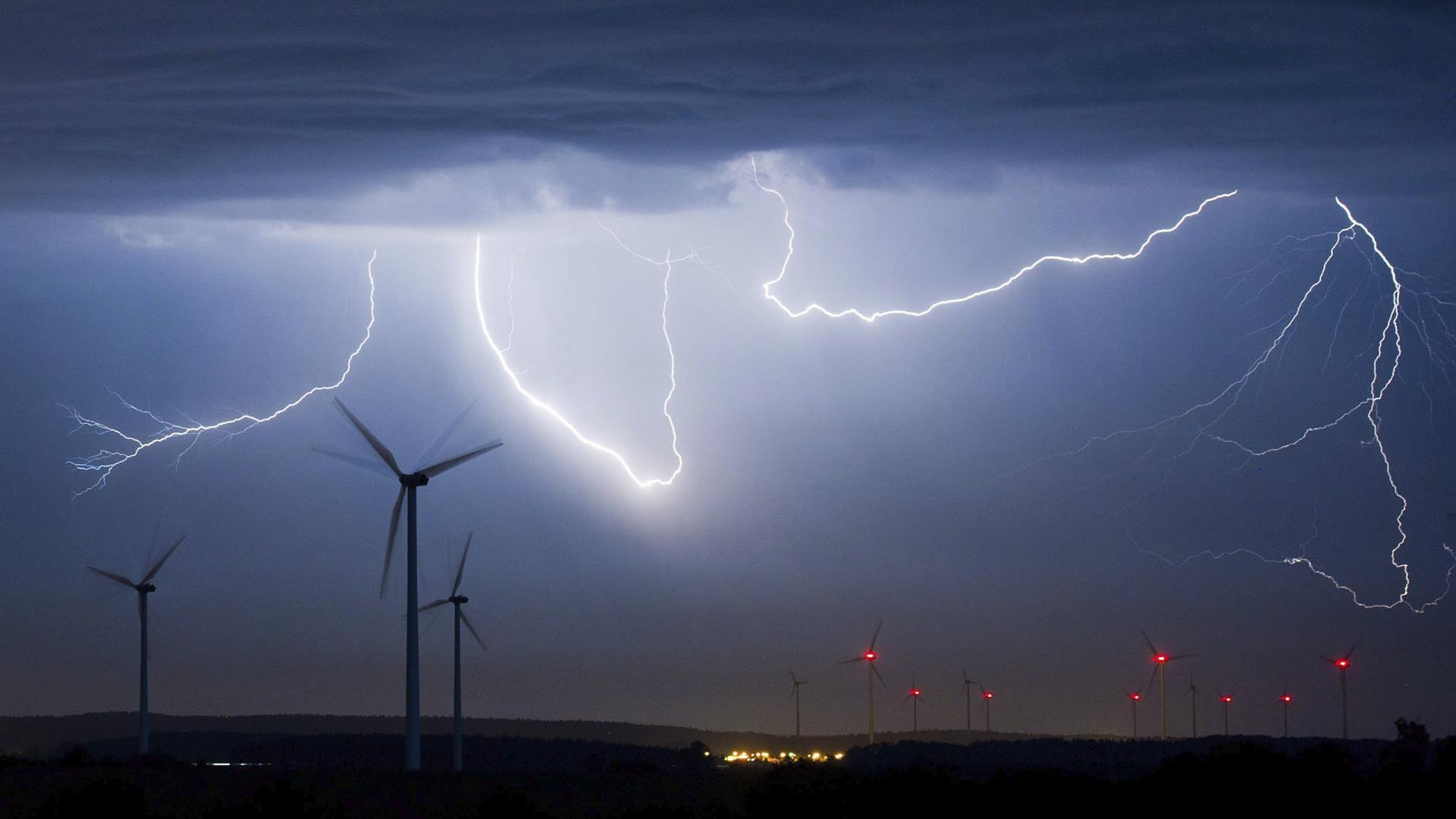 Más de 50 personas han perdido la vida por la temporada de lluvia y la creciente actividad eléctrica que está conlleva
