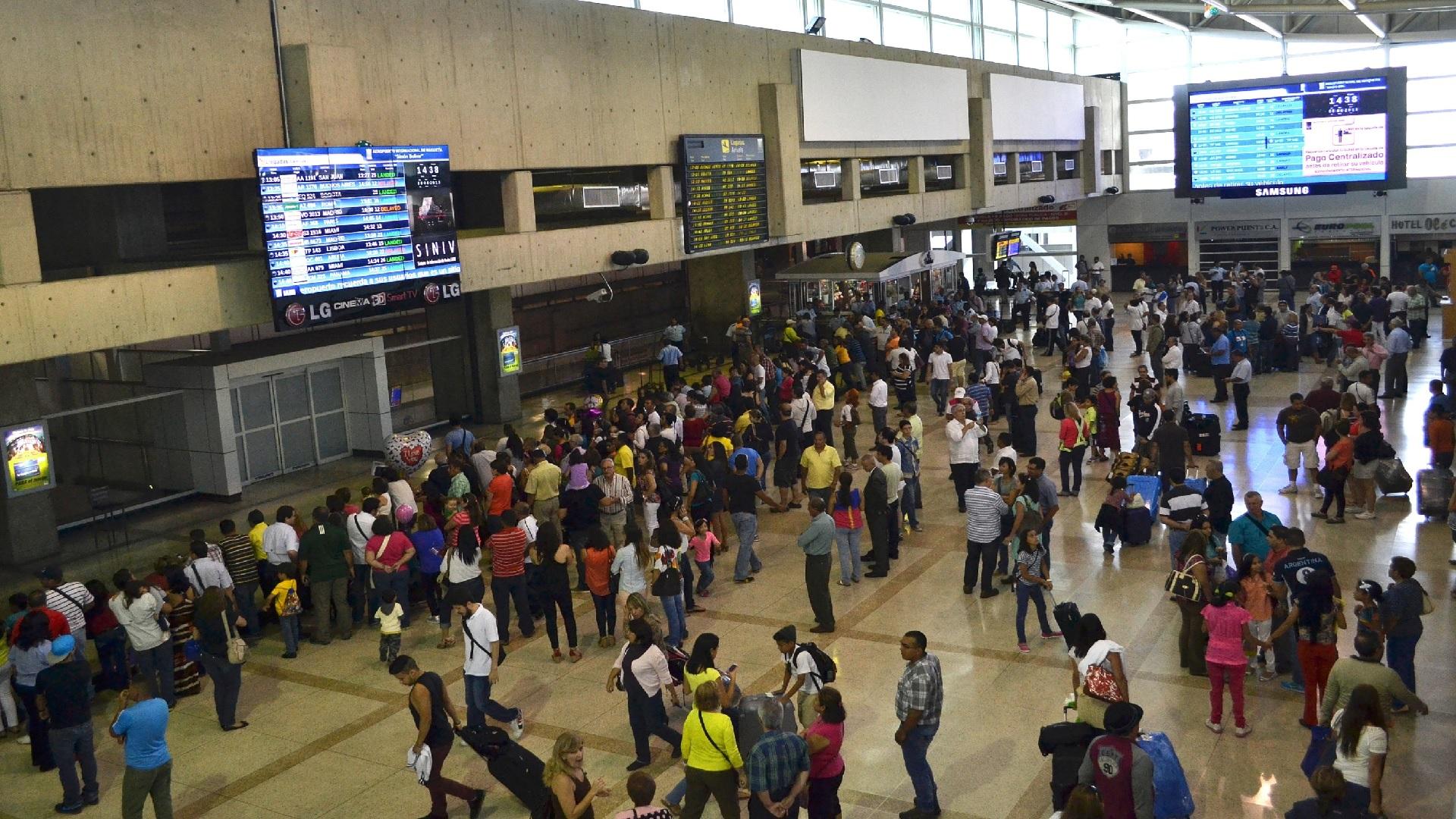Avión que partió de Venezuela transporto maletas con drogas