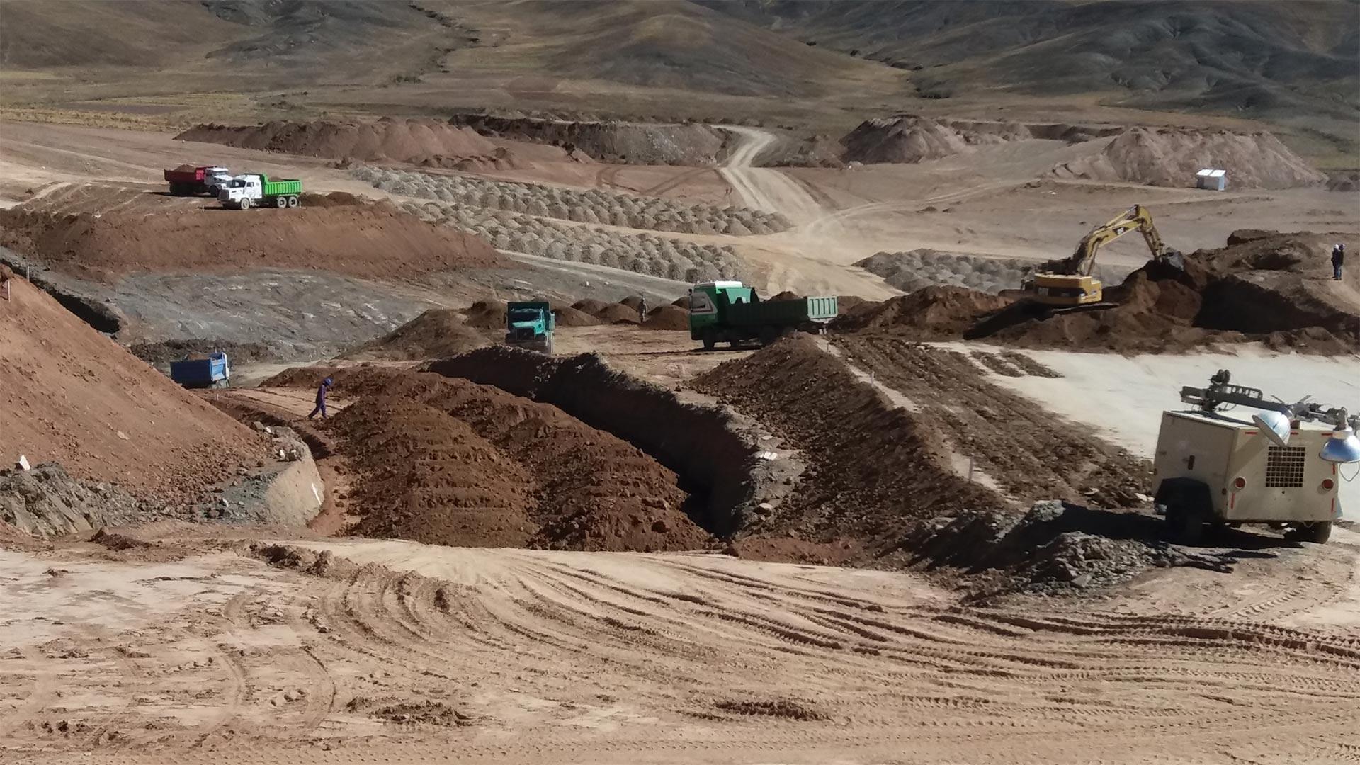 Trabajadores bolivianos de la mina de Huanuni aportarán parte de su sueldo para evitar el cierre de la institución