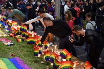 Las autoridades de la ciudad de Orlando están haciendo público el nombre de las víctimas, después de contactar con sus familiares
