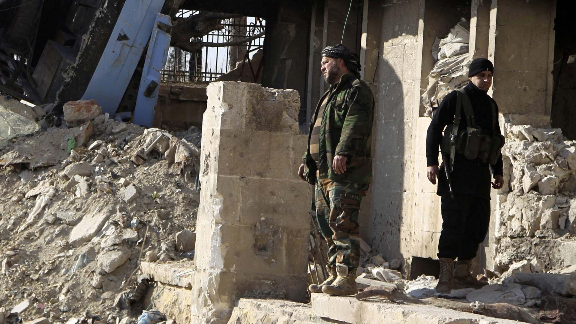 La mayoría de los fallecidos fueron civiles. El hecho ocurrió cerca de Al Raqqa, el principal bastión del Estado Islámico