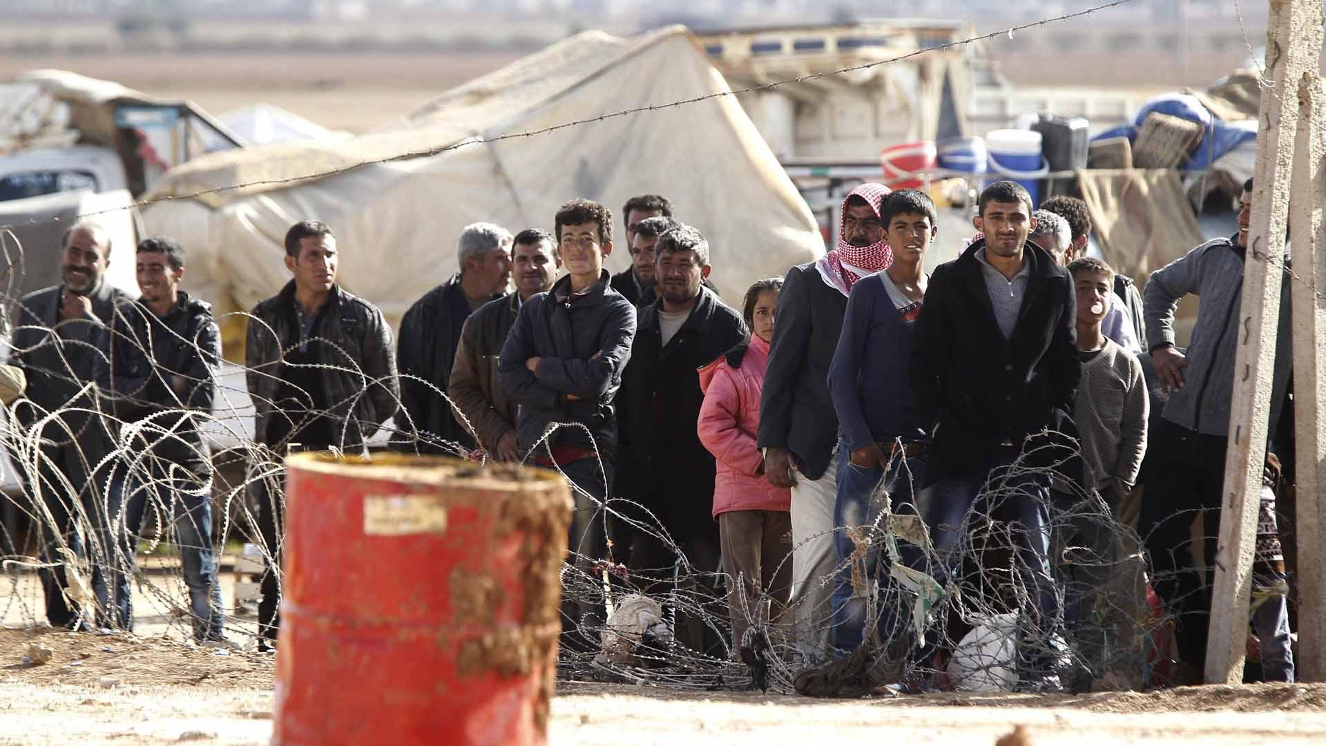 Fuerzas del ejercito irrumpieron en los campos de refugiados en busca de los sospechosos