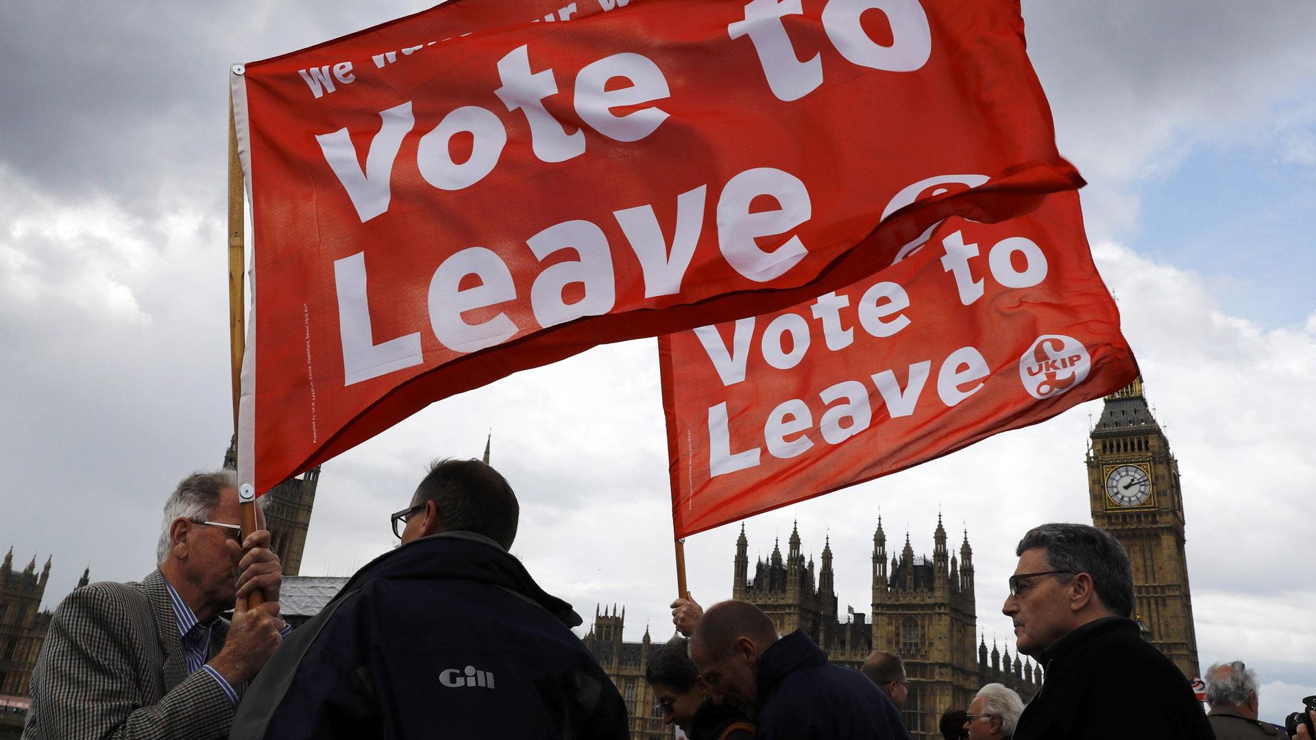 UE insta a británicos a votar a favor