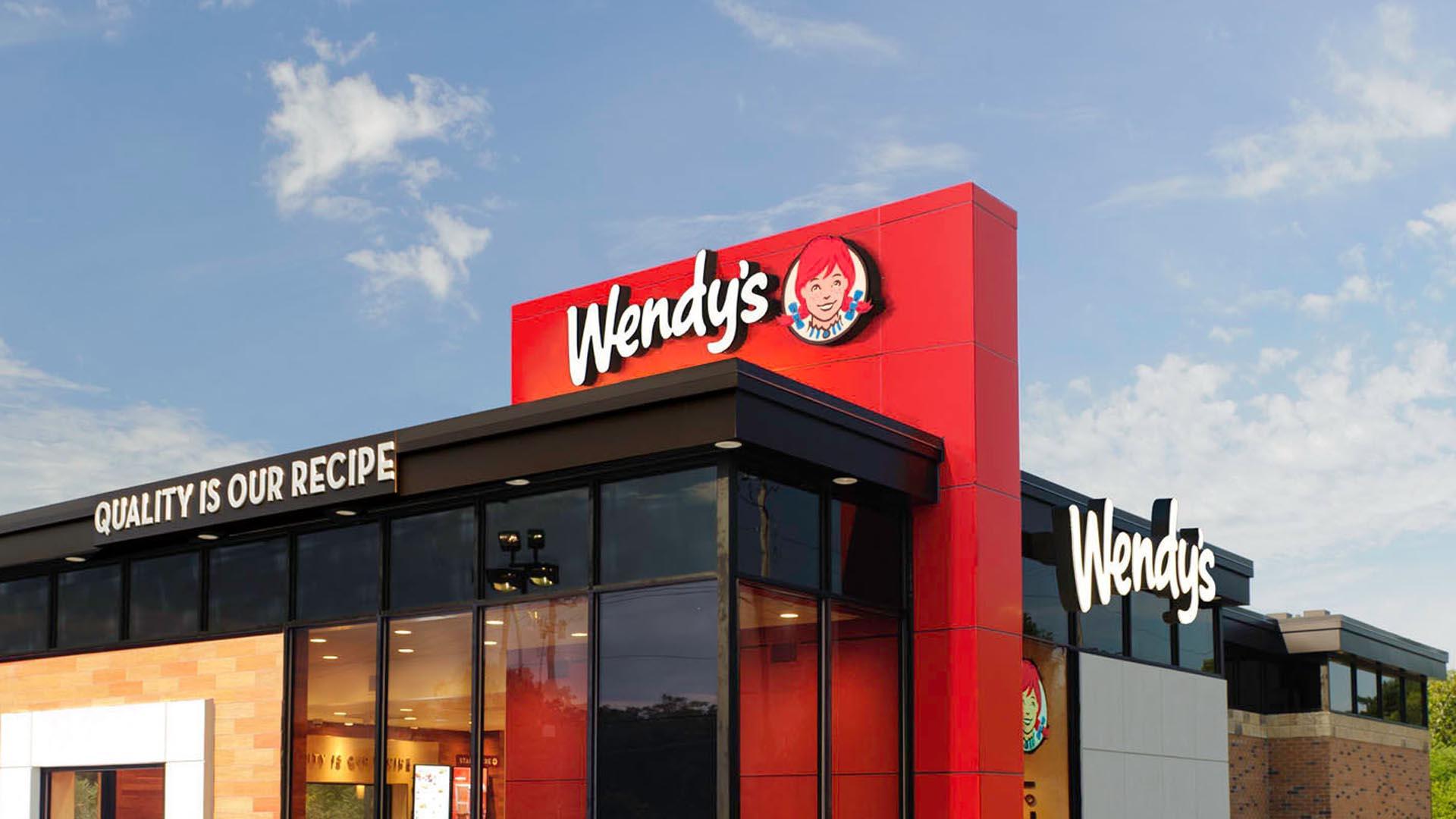 La cadena de comida rápida reducirá su personal para ahorrar costos