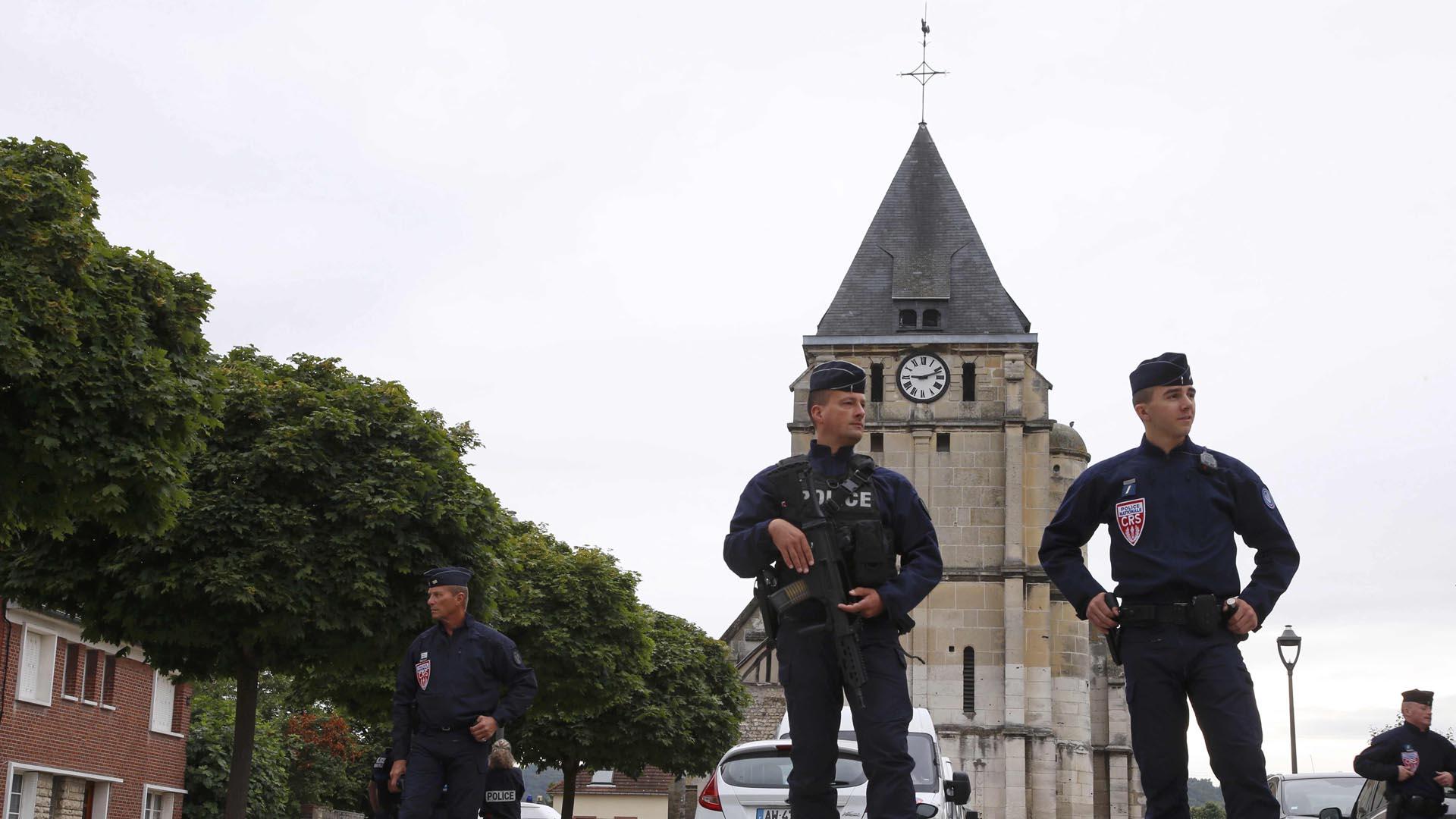 Las autoridades francesas irrumpieron en la casa del sujeto que al verse descubierto admitió su participación