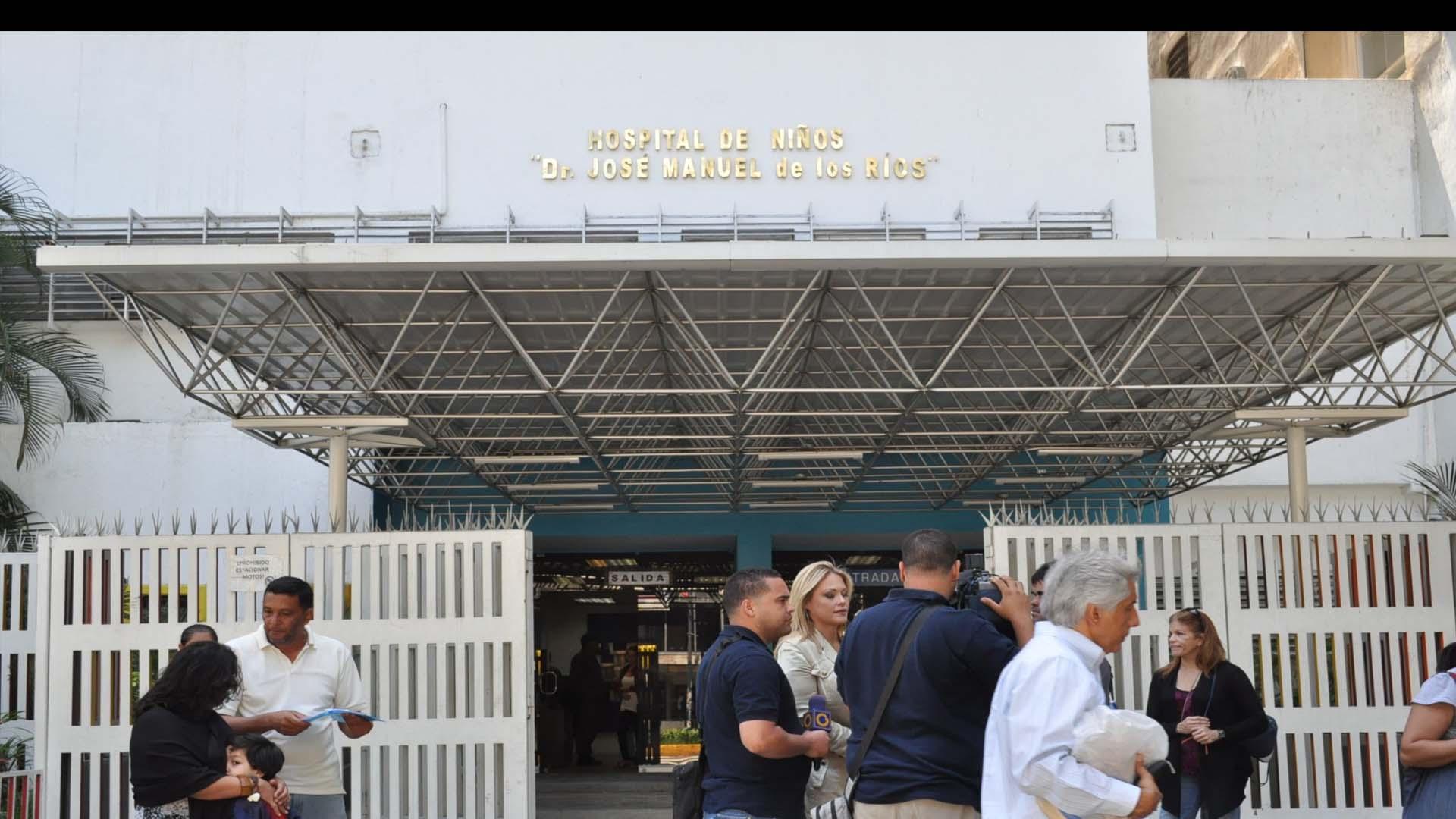 Madres de los pacientes protestaron a las afueras del recinto y exigieron soluciones a las autoridades pertinentes