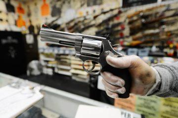 El gobernador de California, Jame Brown, aprobó esta semana seis medidas para reforzar el control de armas de fuego