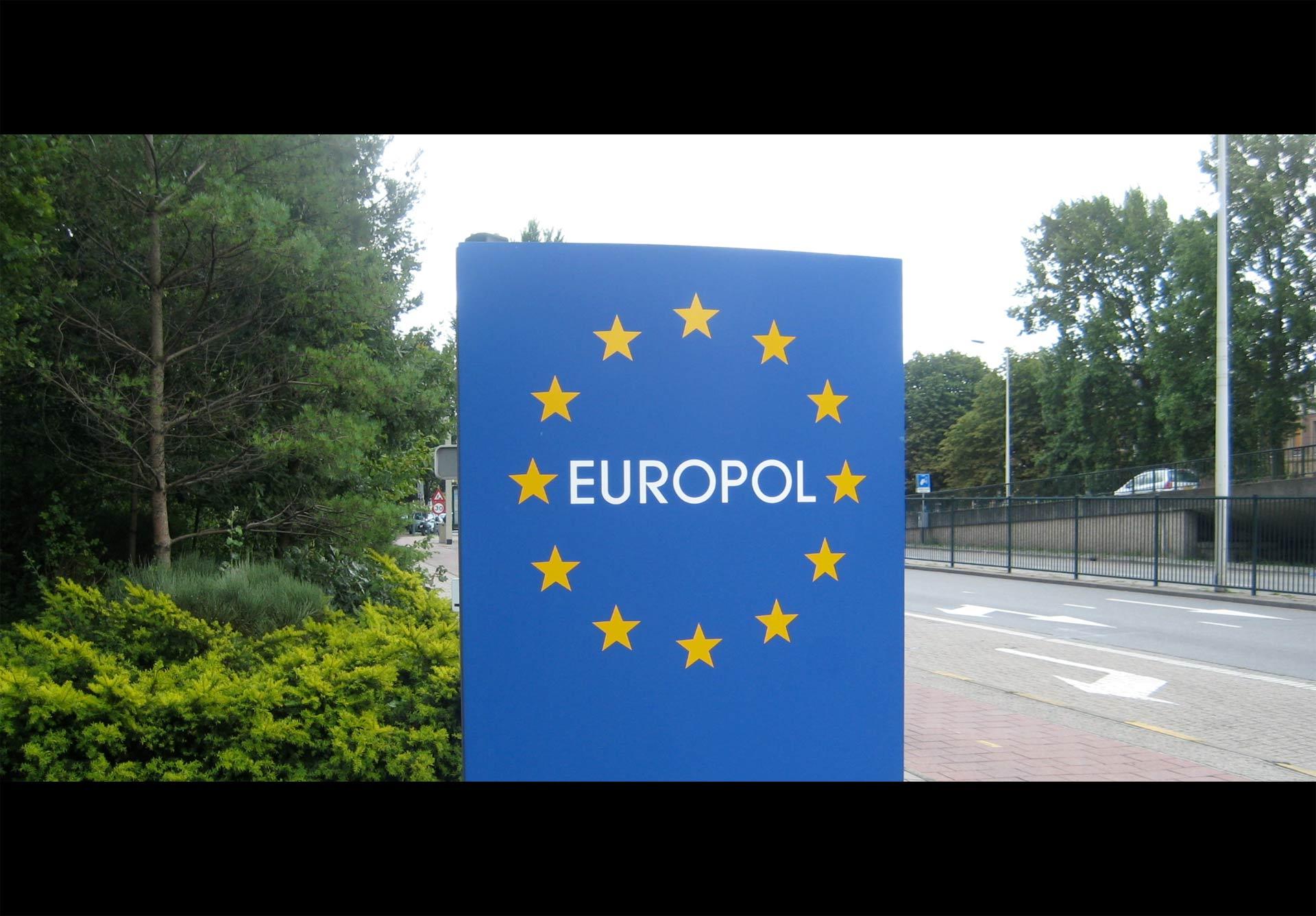 Según Europol, la conexión entre los más recientes atentados y grupos como el EI es débil