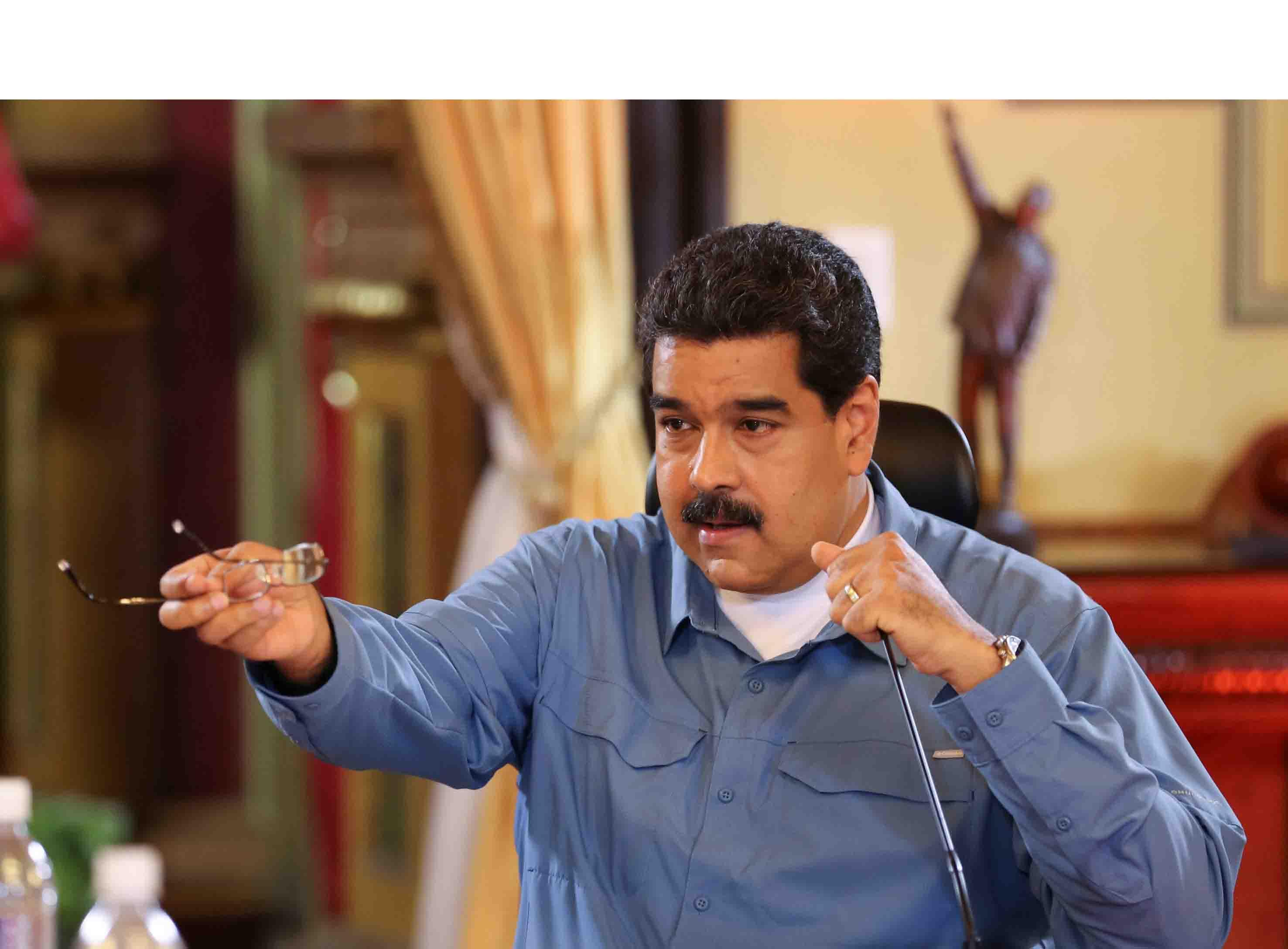 Maduro presidente de Venezuela coloco al frente al General Padrino López para el correcto abastecimiento en las áreas de alimentos y medicinas