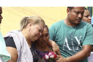 El triple homicidio fue ejecutado en el domicilio de la familia. Las primeras líneas de investigación apuntan a una disputa entre bandas