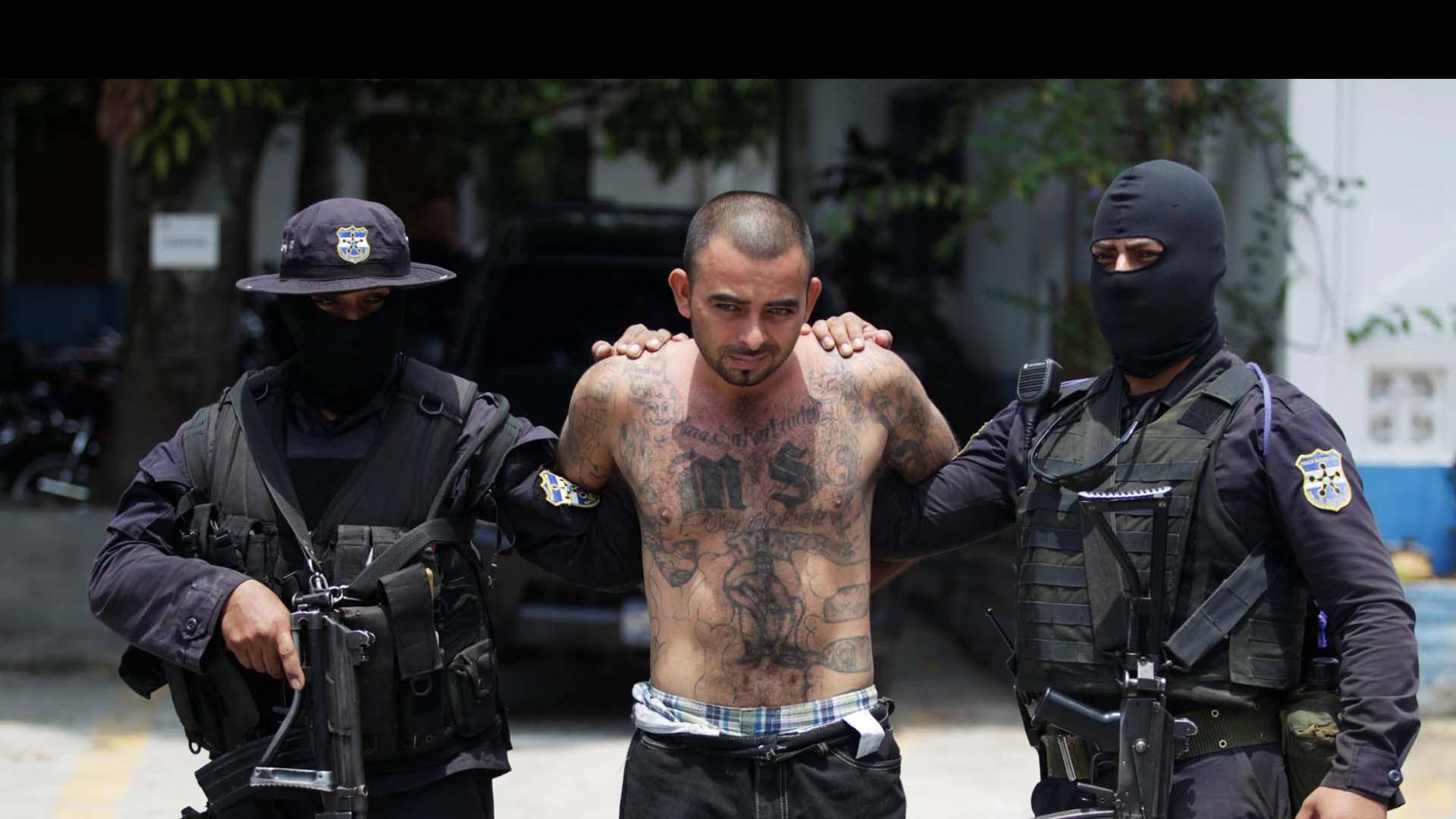 Pertenecientes a la pandilla más grande de El Salvador serán procesados por lavado de dinero, extorsiones, narcotráfico y otros delitos