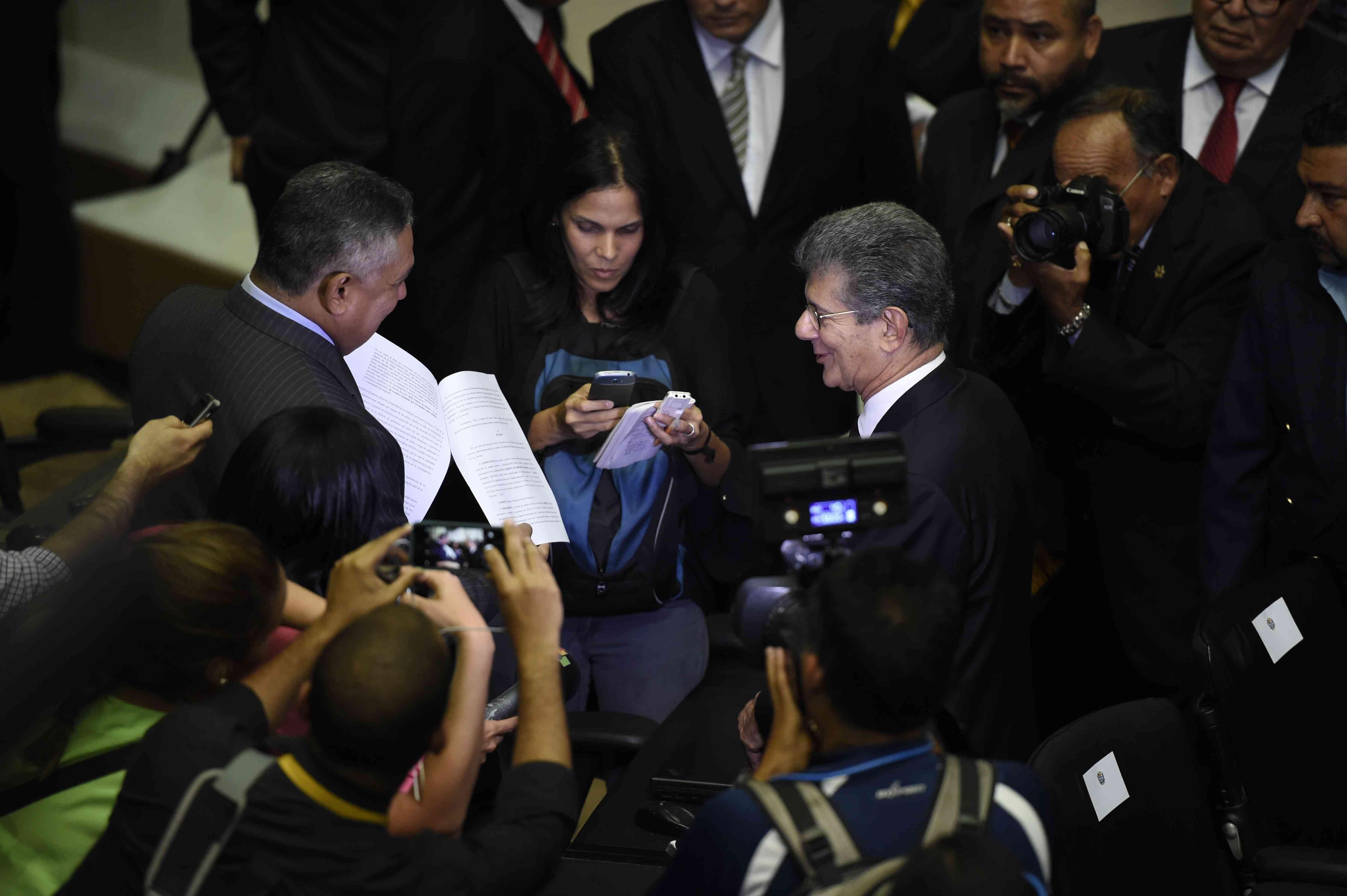 Abrirán un proceso contra el presidente del Parlamento y el gobernador de Miranda por agredir a las rectoras del CNE