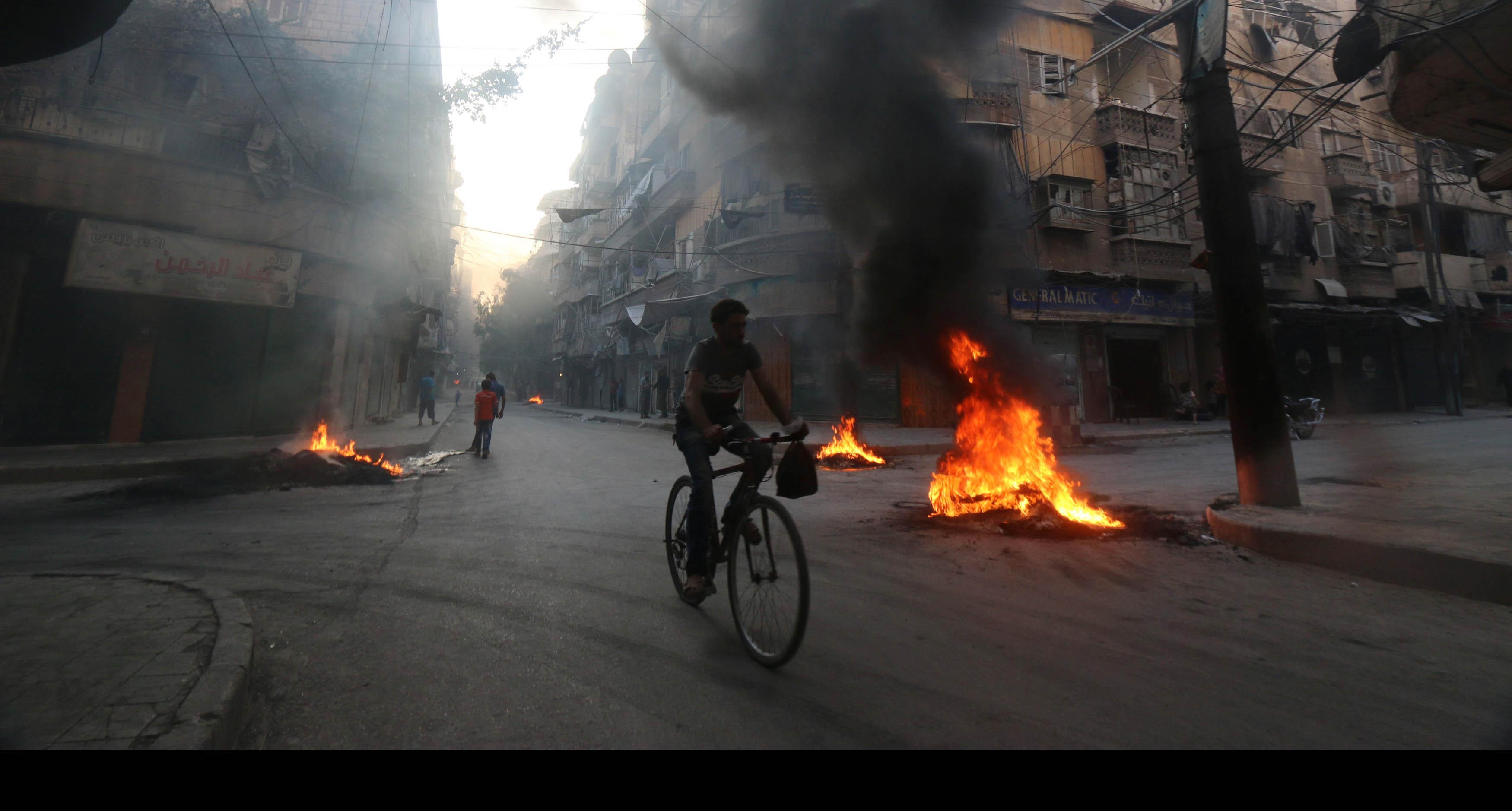 Los grupos de insurgentes se encuentran atacando dos barriadas de la ciudad Siria en su intento de conquistar más territorios