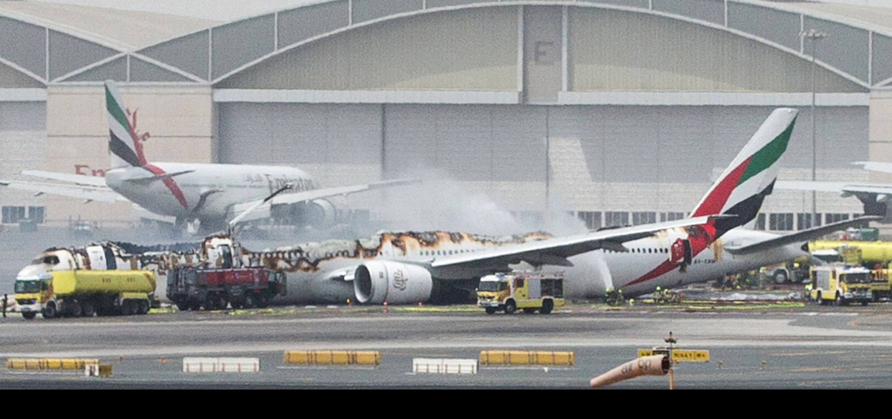 Un Boeing 777 de la compañía Emirates sufrió un accidente durante su aterrizaje con 275 personas a bordo