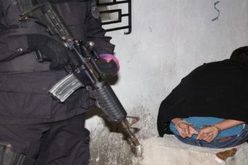 """Gracias estas detenciones de la """"Operación Tiburón"""", se resolvieron 47 casos de homicidios, 27 de extorsión, robos en El Salvador"""