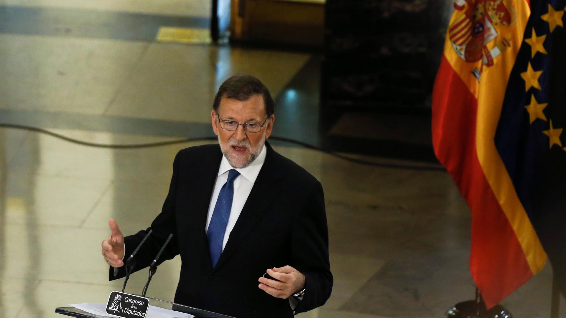 Tras negociar durante una semana, finalmente se consiguió formar una alianza que permitiría la investidura de Mariano Rajoy