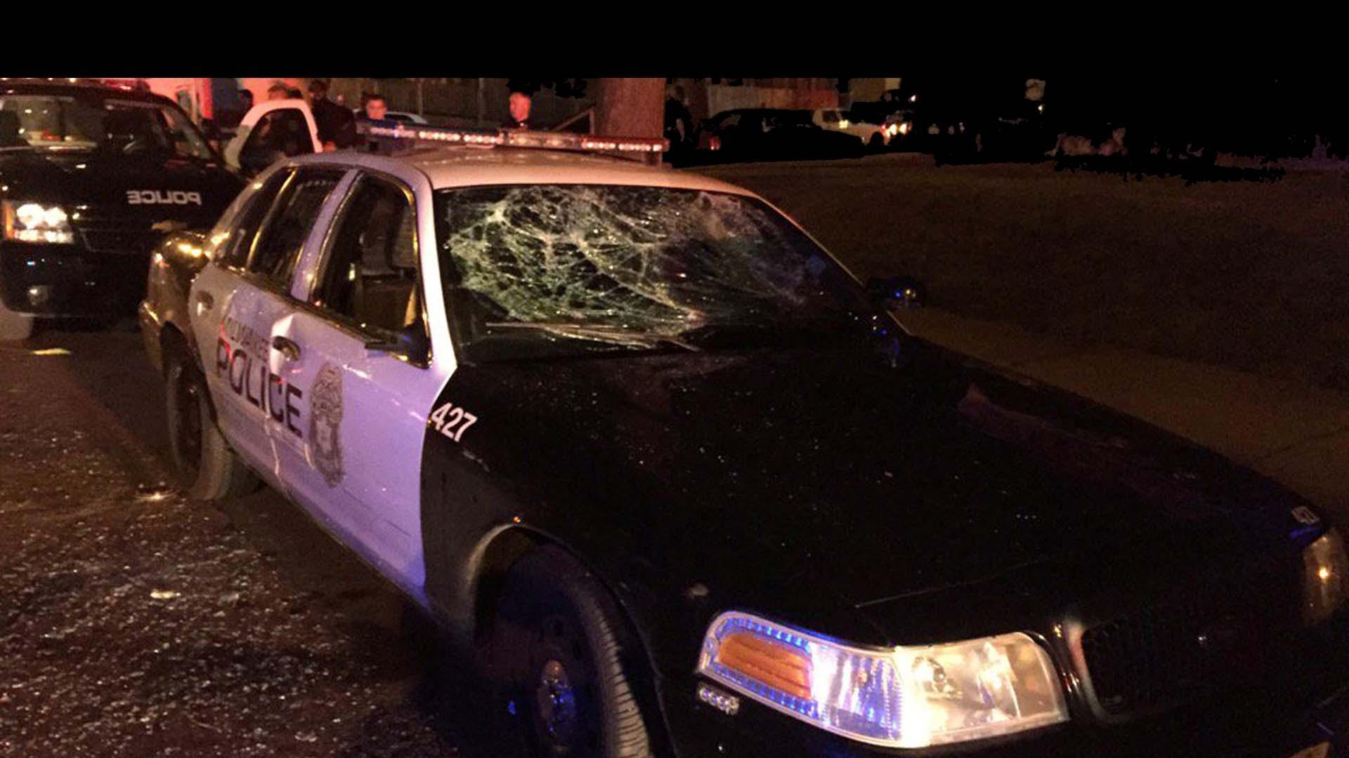 La policía local abatió a un hombre negro que iba armado y desató la furia de la comunidad