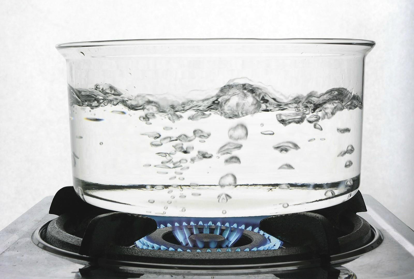 El ingeniero y ex presidente de Hidrocapital, José María de Viana, afirmó que los hogares deben tener filtros y desinfectante con ozono