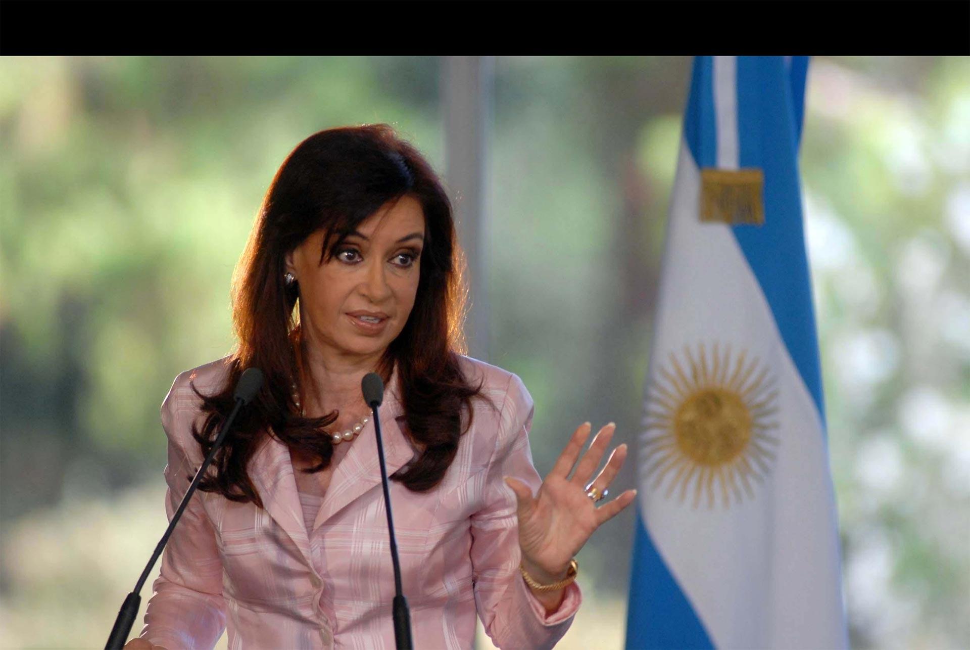 Vuelven a acusar de corrupción a de Kirchner