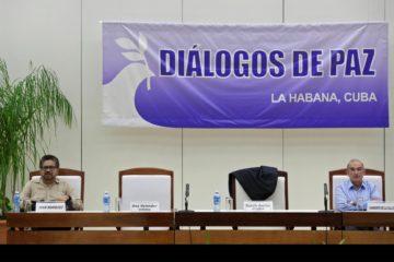 Colombia y FARC piden ayuda al papa Franciso