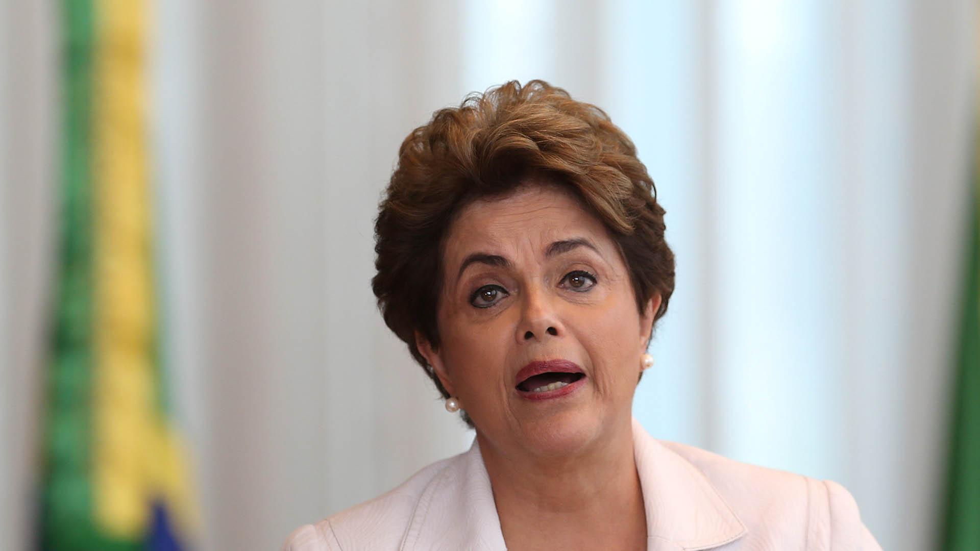 La mandataria brasilera debe comparecer ante el pleno de 81 senadores en la fase final de su impeachment
