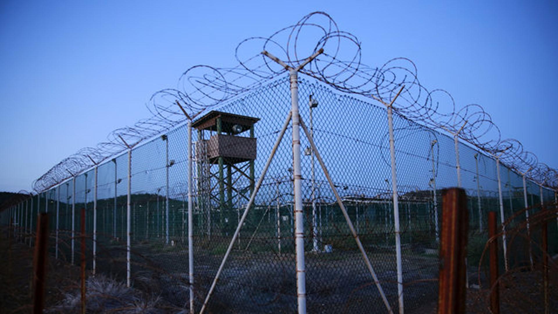 Prisión de Guantánamo podría cerrar en enero de 2017