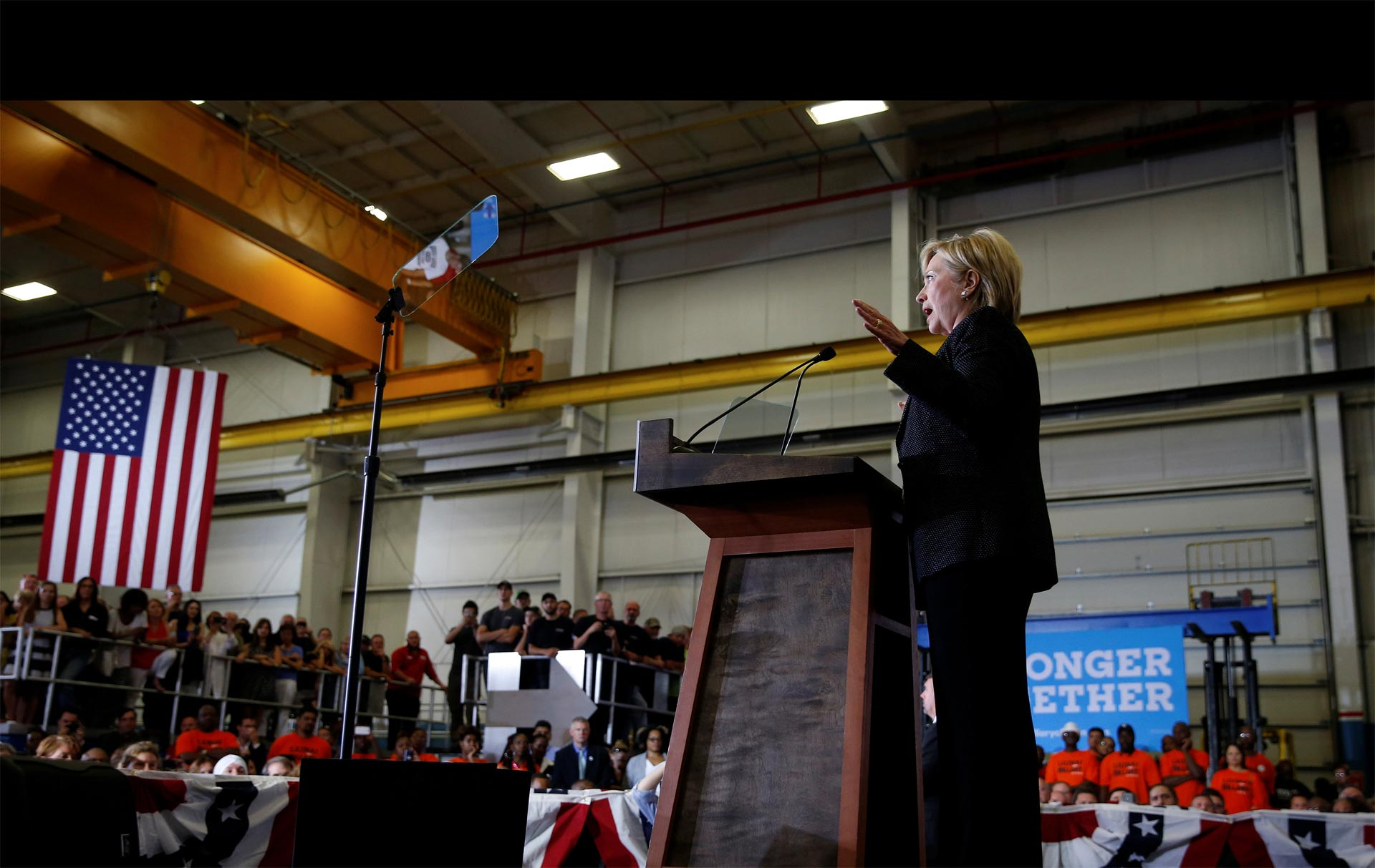 Clinton publicó su declaración de impuestos