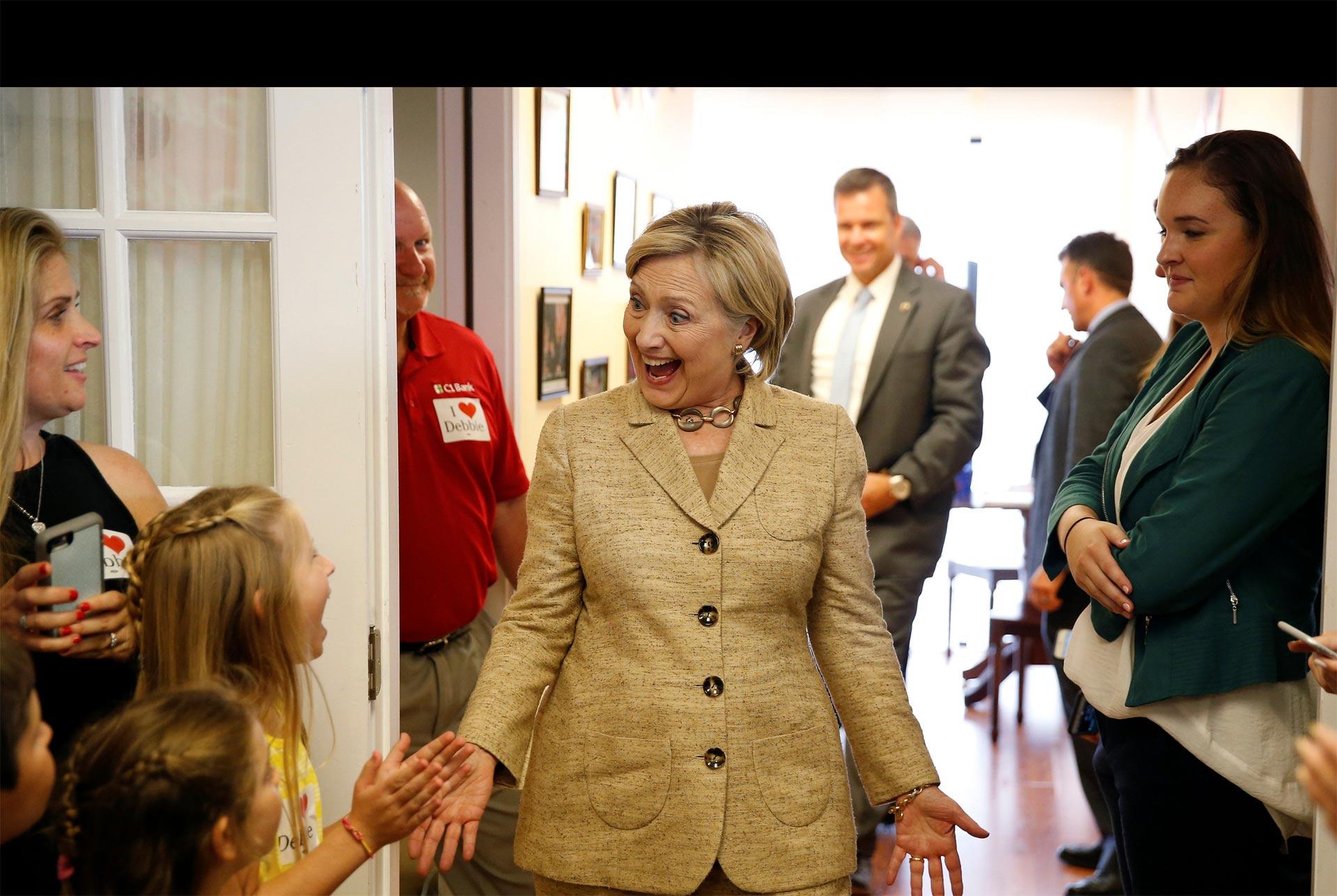 Hillary Clinton inunda la TV