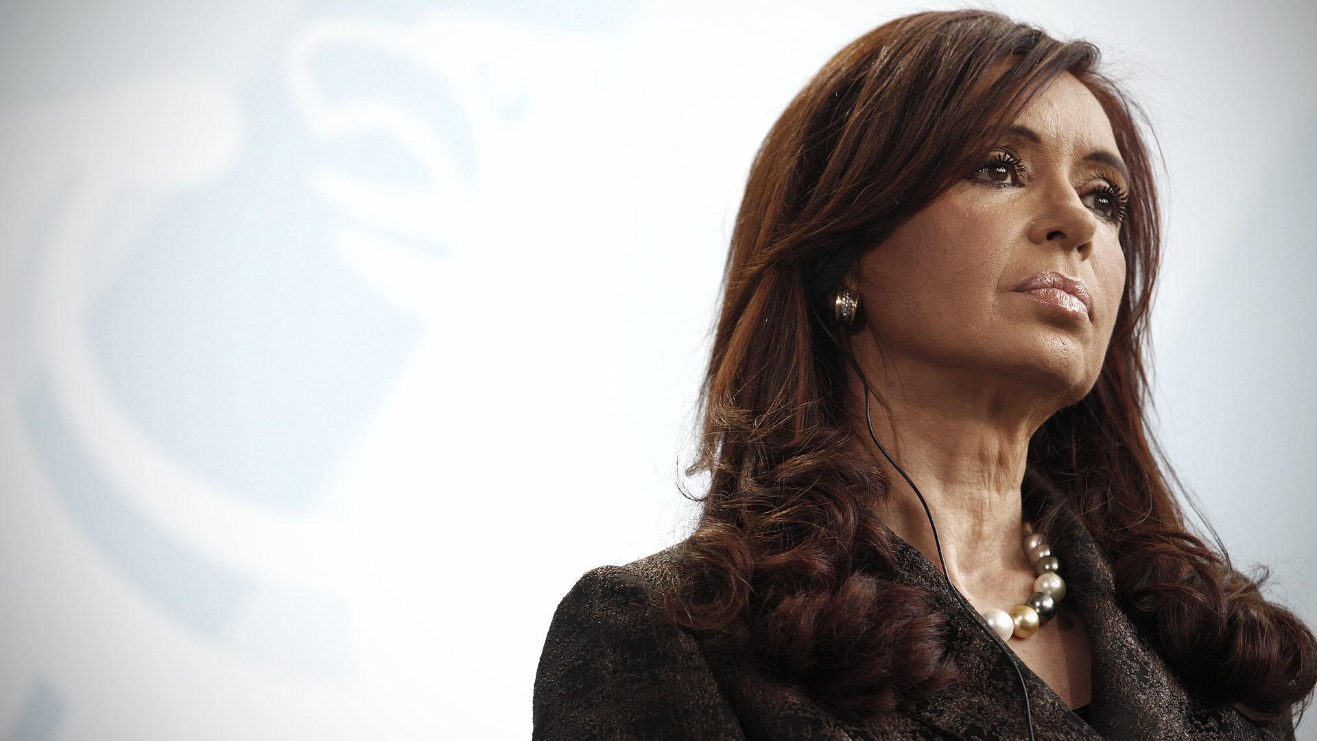 La ex presidente de Argentina presuntamente está recibiendo constantes cartas de intimidación