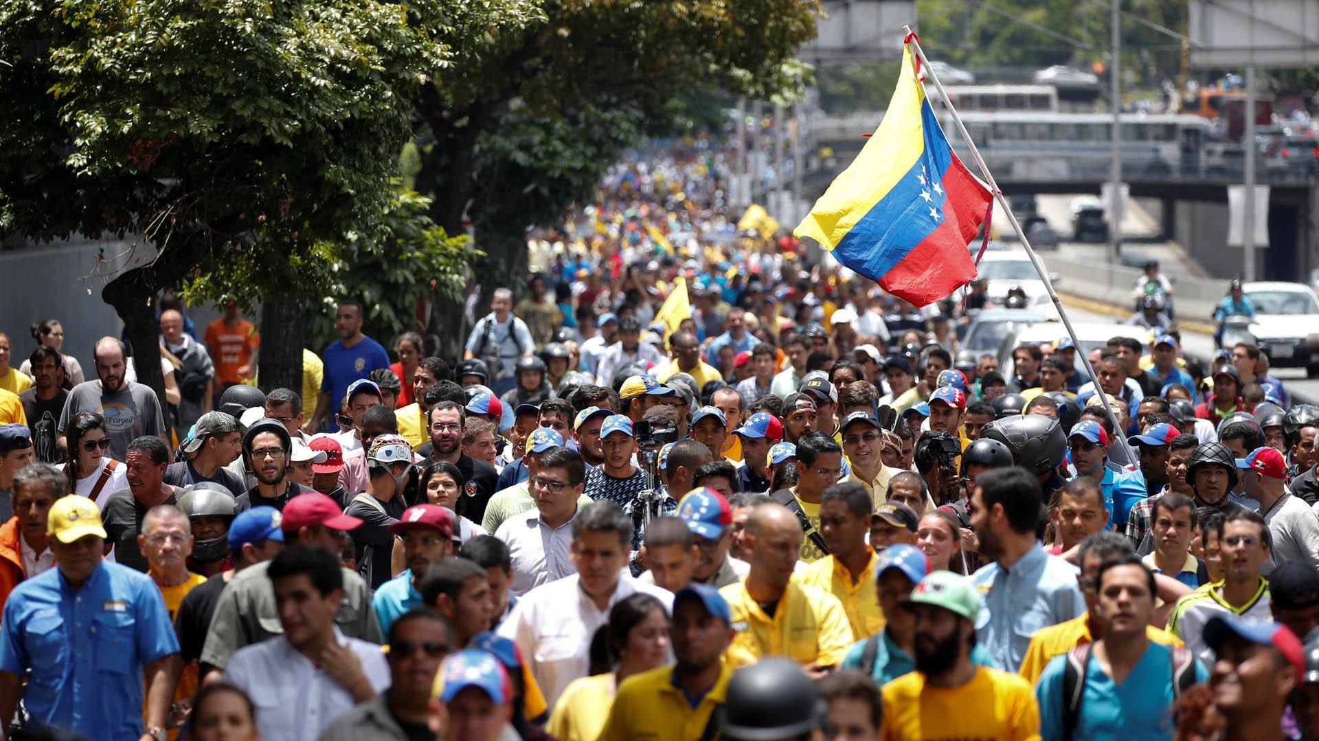 La medida, que estima movilizar al interior del país hasta la capital, se tomará en caso de que el CNE no se pronuncie antes de esa fecha