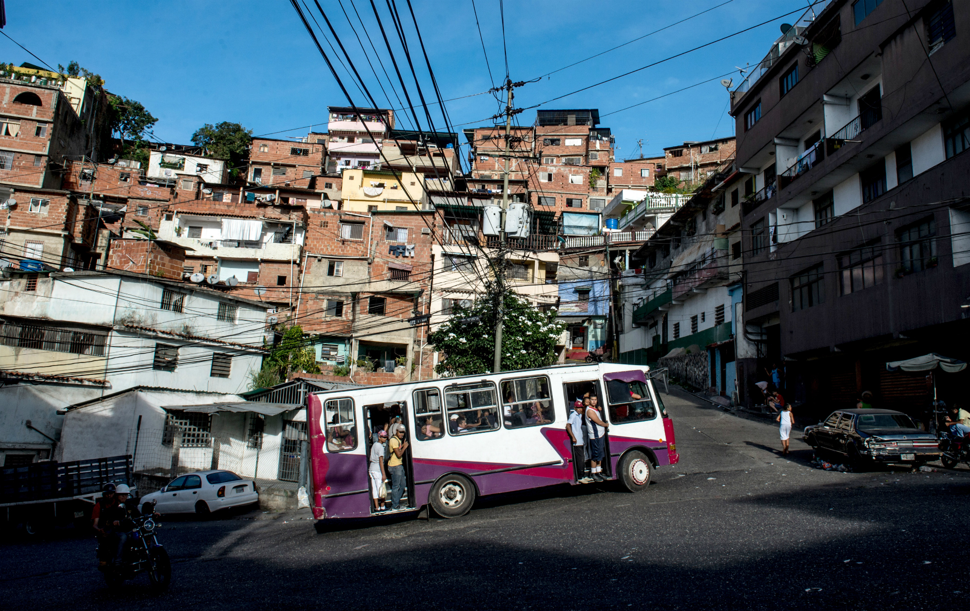 Los transportistas exigen el aumento del 100% del pasaje