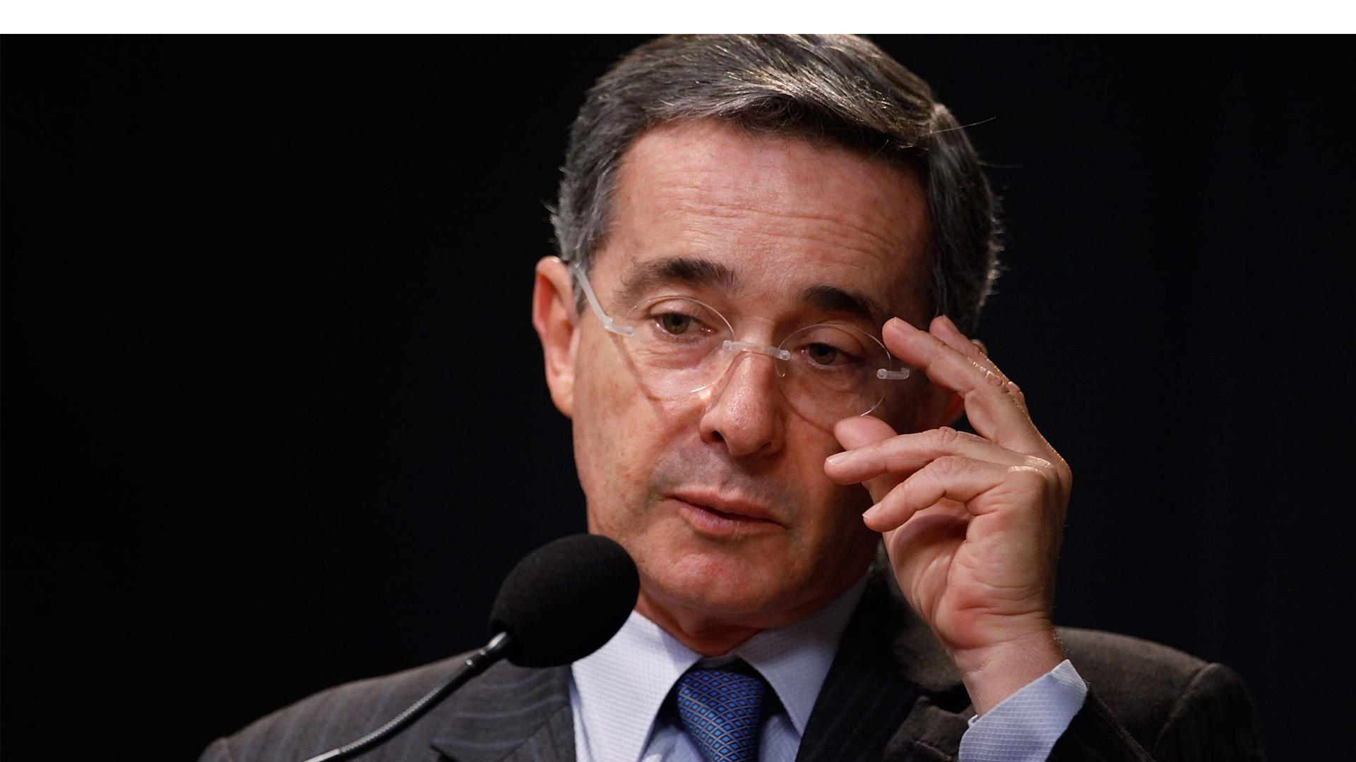"""El ex mandatario colombiano asegura que el acuerdo deja """"impunes"""" a los guerrilleros"""