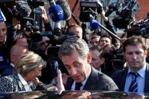 El ex presidente francés enfrentará al ex primer ministro Alain Juppé, en las elecciones del partido Los Republicanos