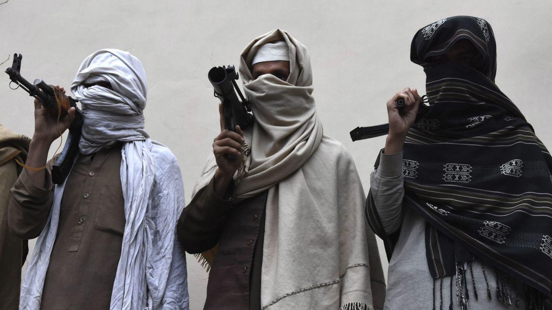 Dos militares, presuntamente talibanes, envenenaron a las víctimas y seguidamente le propinaron varios disparos mientras dormían